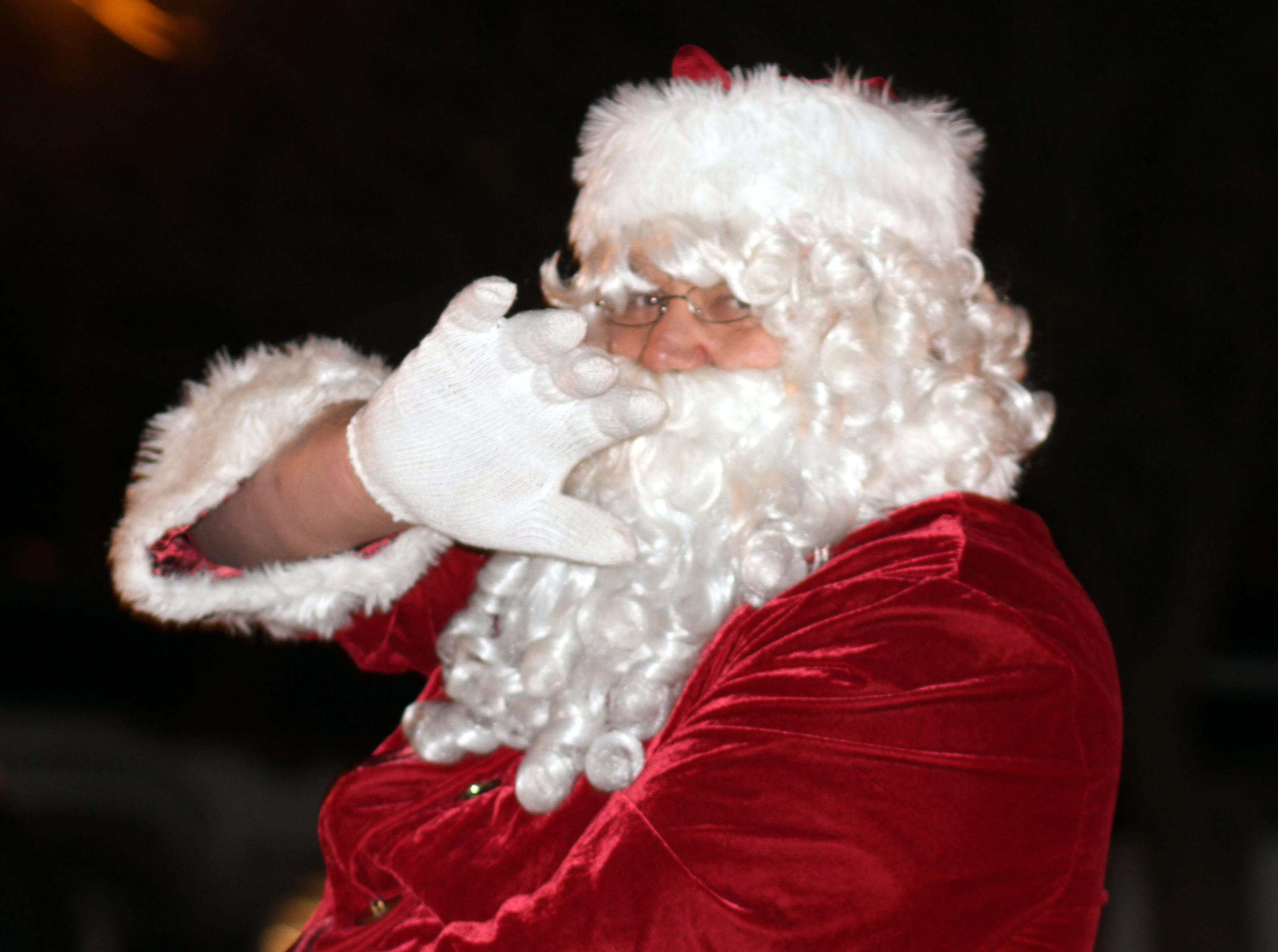 Santa Claus closed the 2018 Christmas Light Parade and invited all to the Luna County Courthouse Park for the traditional tree-lighting ceremony.