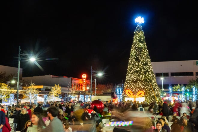 Crowds gather at the Christmas in Cruces Tree Lighting Extravaganza on Saturday, Dec. 1, 2018.