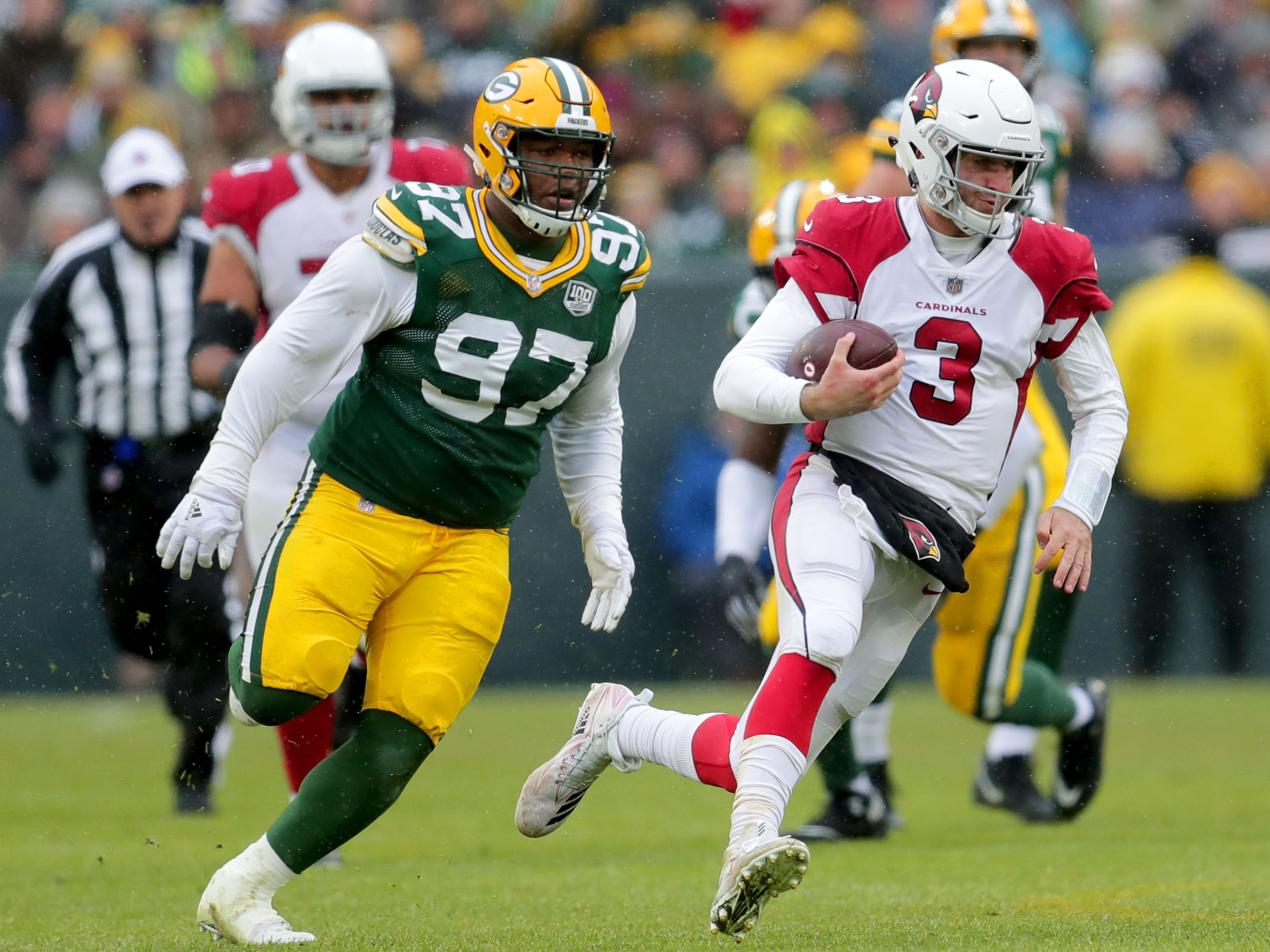 Arizona Cardinals quarterback Josh Rosen (3) runs for a long gain during the 3rd quarter of Green Bay Packers game 20-17 loss against the Arizona Cardinals on Sunday, December 2, 2018 at Lambeau Field in Green Bay, Wis. Mike De Sisti / USA TODAY NETWORK-Wis