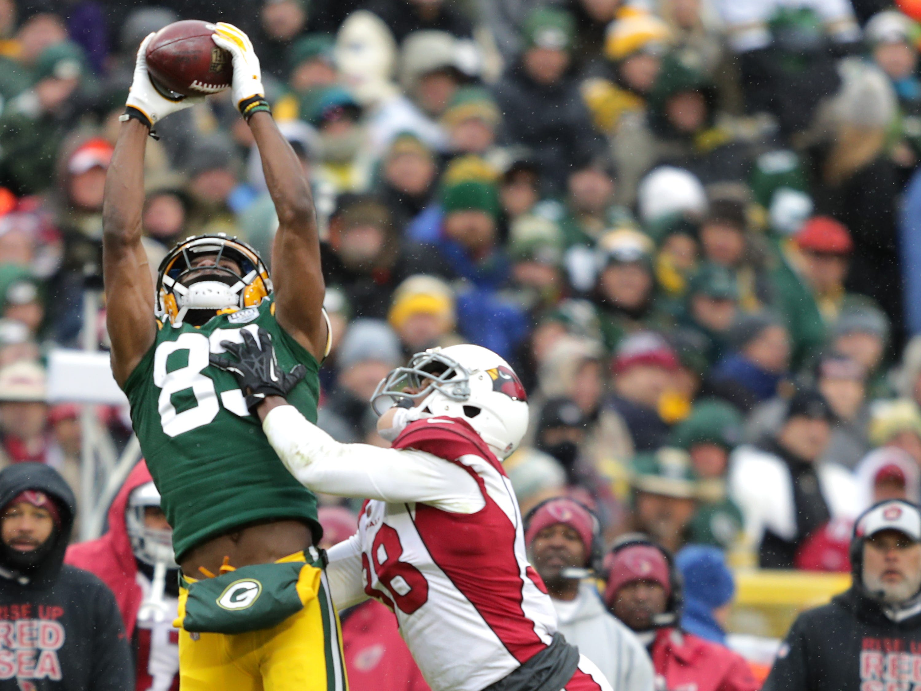 Green Bay Packers wide receiver Marquez Valdes-Scantling agsainst Arizona Cardinals defensive back David Amerson during their football game on Sunday, December 2, 2018, at Lambeau Field in Green Bay, Wis. Wm. Glasheen/USA TODAY NETWORK-Wisconsin.