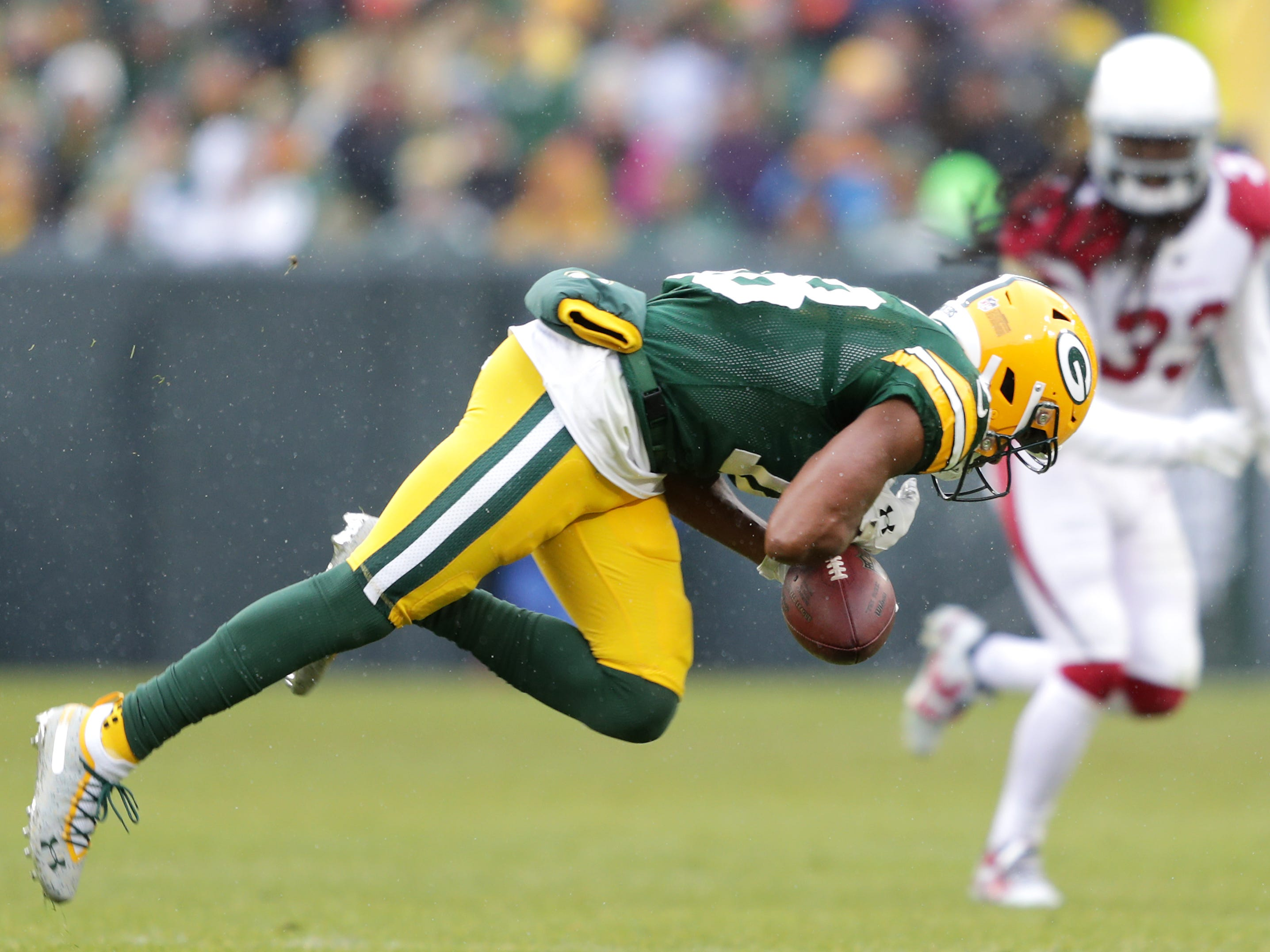 Green Bay Packers wide receiver Randall Cobb looses control of a third quarter pass against the Arizona Cardinals during their football game on Sunday, December 2, 2018, at Lambeau Field in Green Bay, Wis. Arizona defeated Green Bay 20 to 17. Wm. Glasheen/USA TODAY NETWORK-Wisconsin.