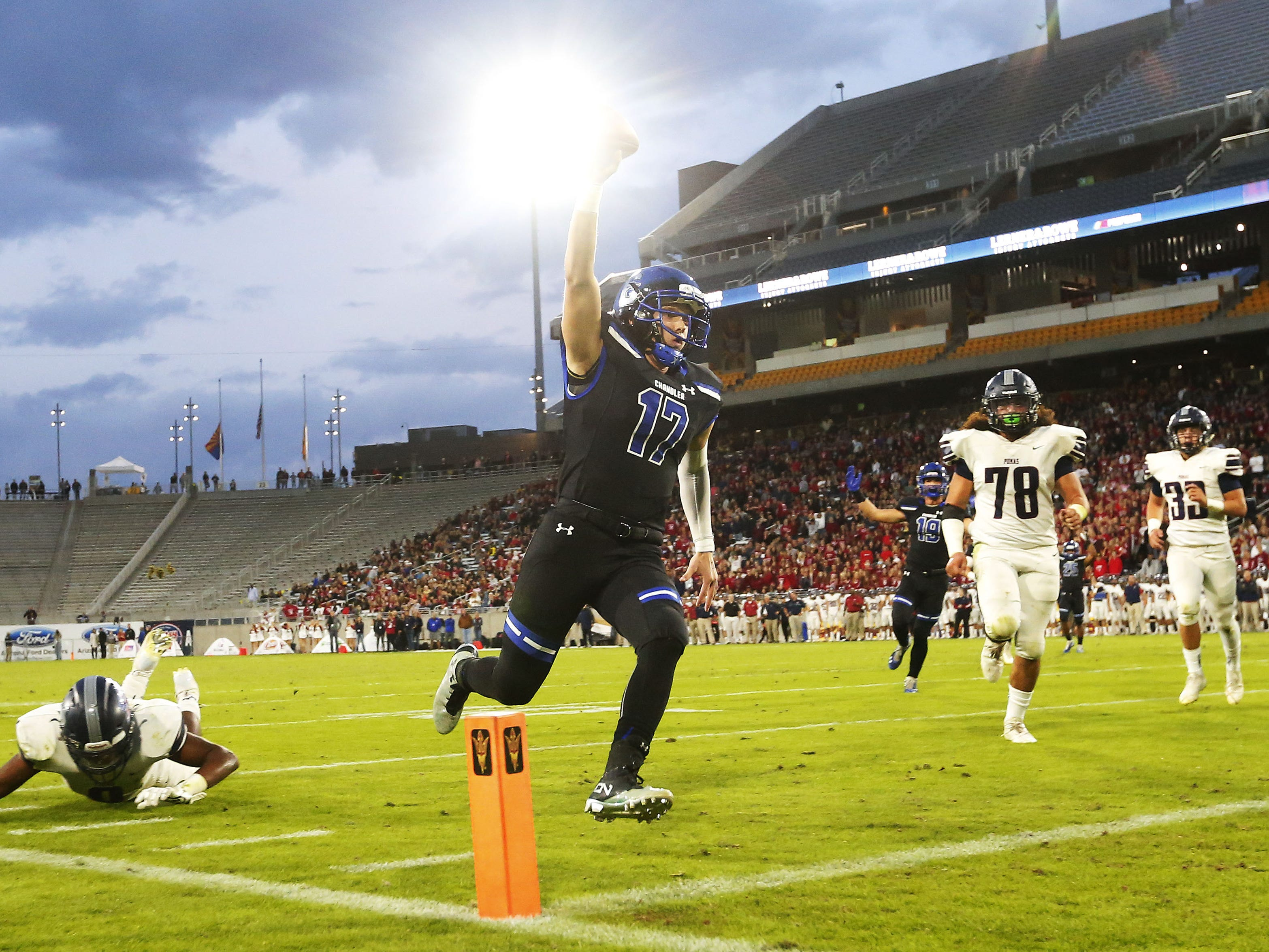 Chandler quarterback Jacob Conover (17) scores a touchdown against Perry during the 6A state football championship at Sun Devil Stadium December 1, 2018. #azhsfb