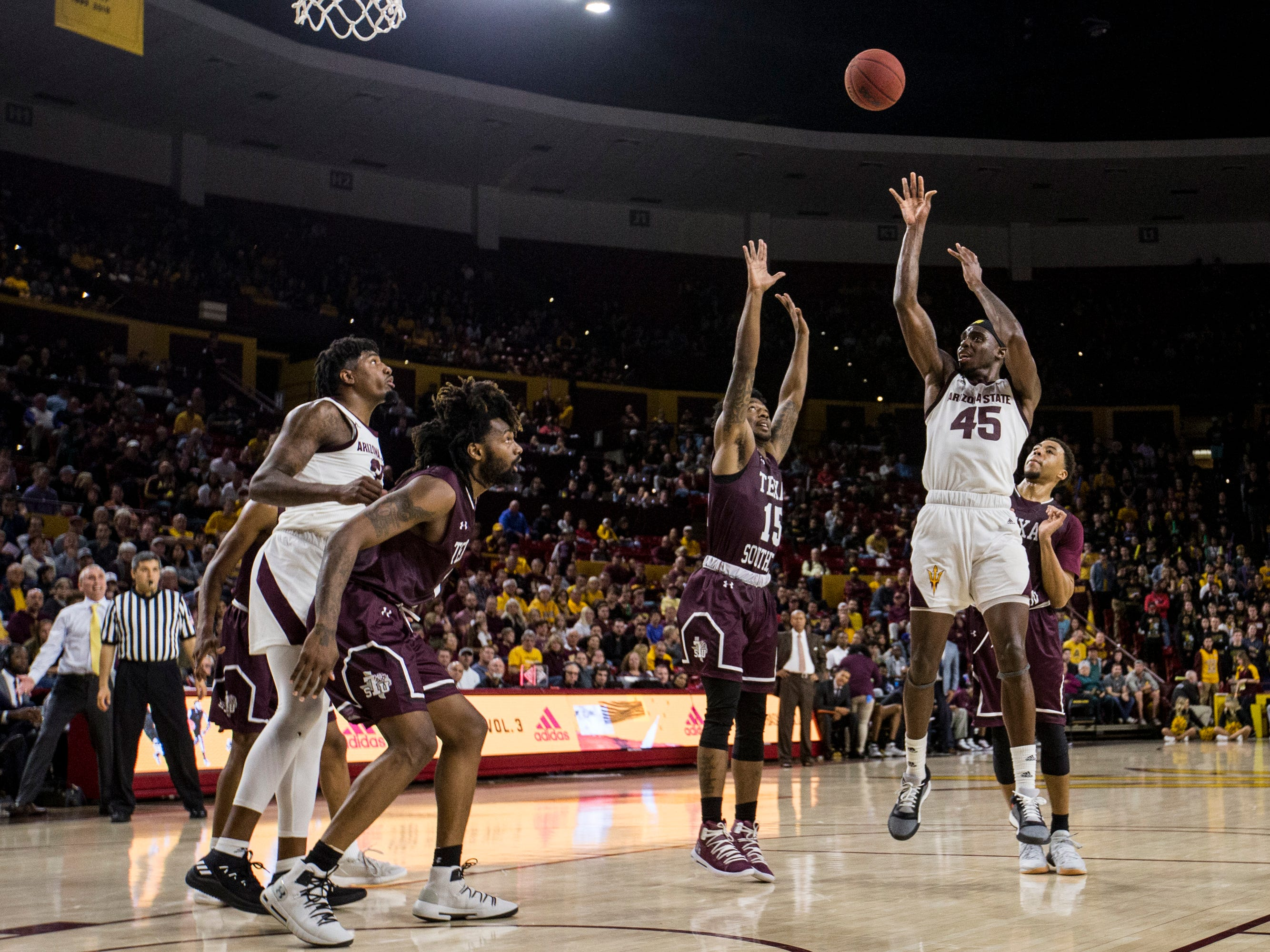 Arizona State's Zylan Cheatham attempts a shot against Texas Southern in the second half on Saturday, Dec. 1, 2018, at Wells Fargo Arena in Tempe, Ariz.
