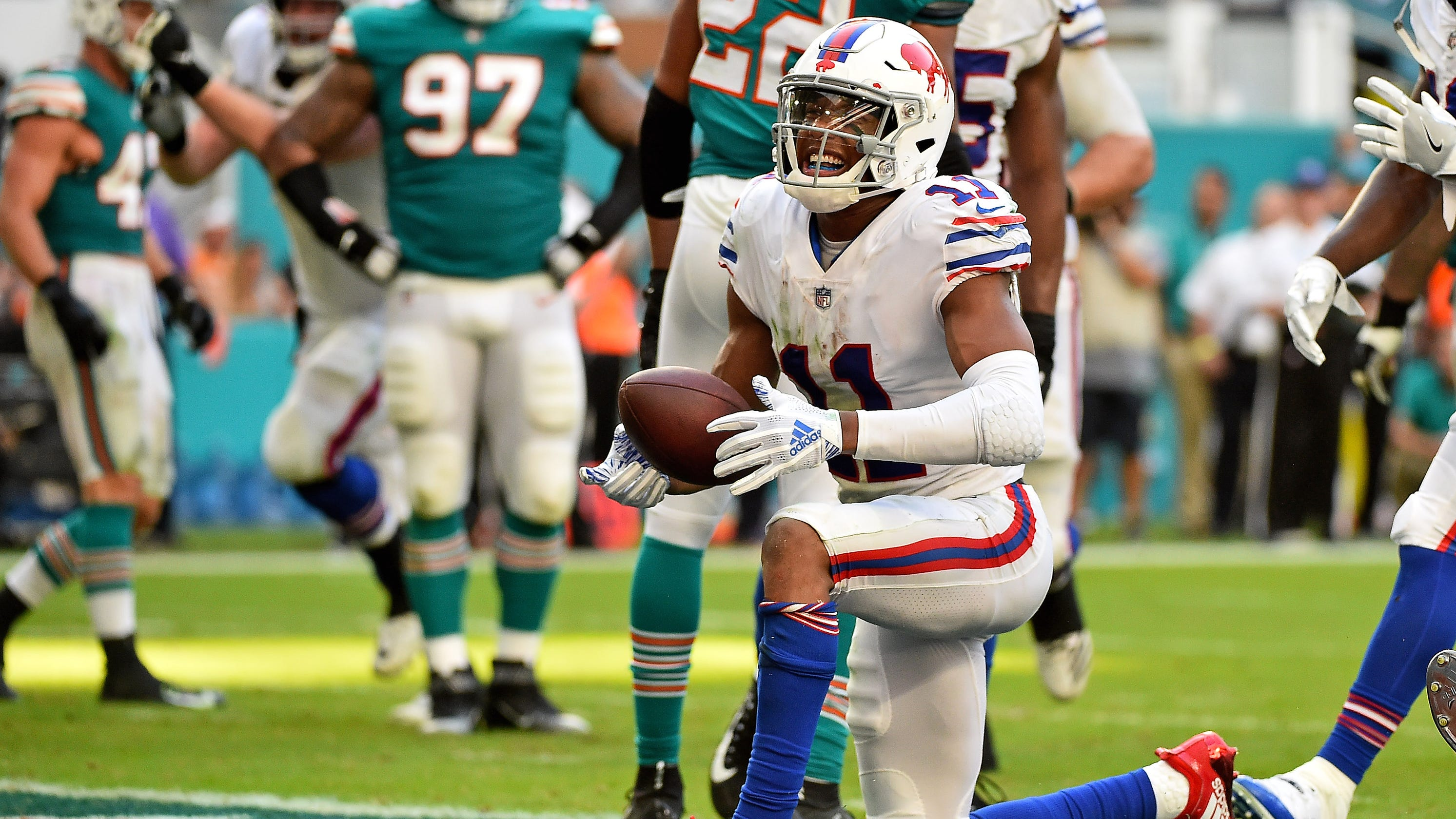 Zay Jones grows into role as Buffalo Bills  top receiver 4841162ce