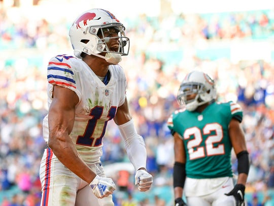MIAMI, FL - DECEMBER 02: Zay Jones #11 of the Buffalo Bills celebrates after scoring a touchdown during the fourth quarter against the Miami Dolphins at Hard Rock Stadium on December 2, 2018 in Miami, Florida. (Photo by Mark Brown/Getty Images)