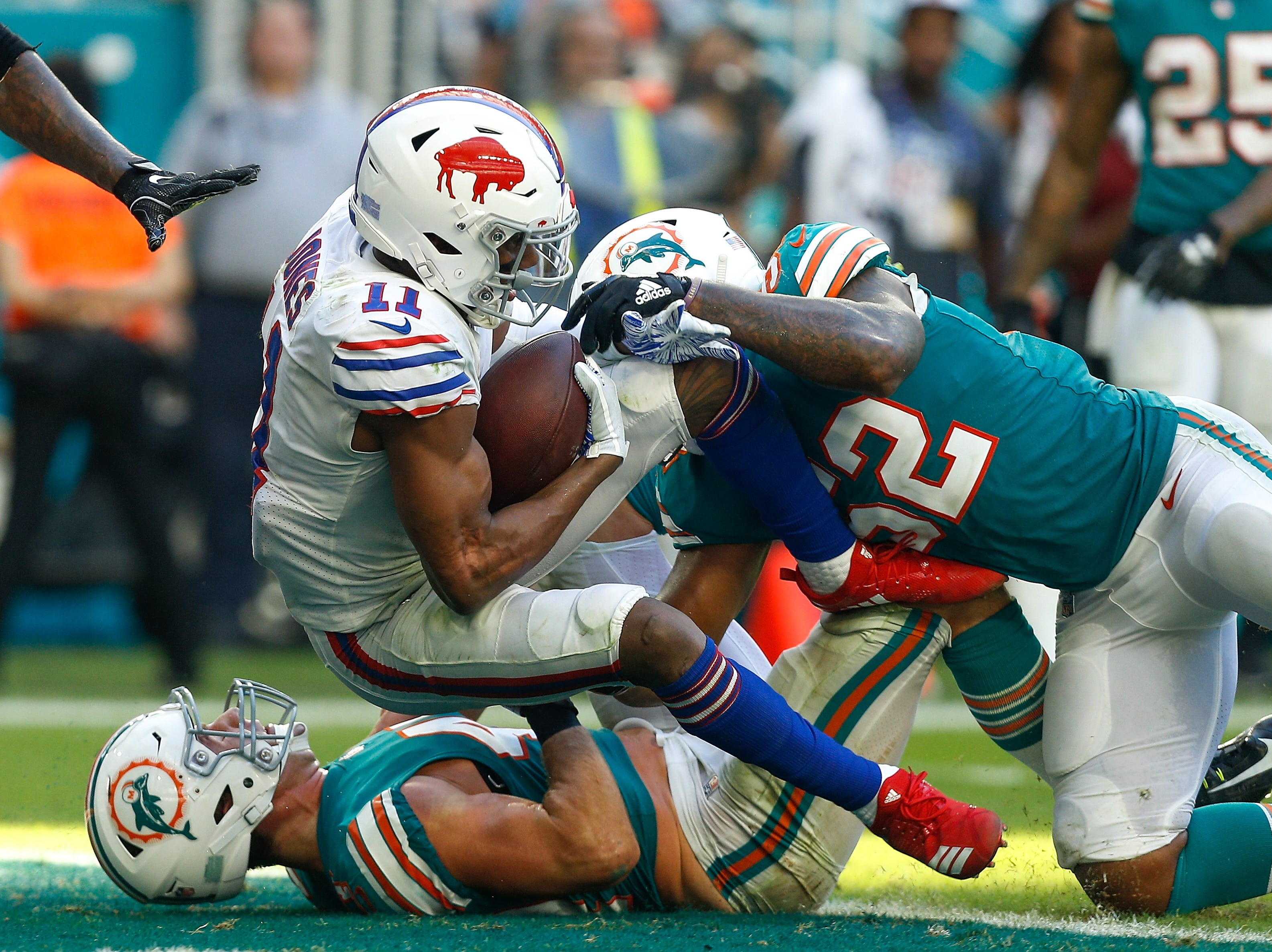 MIAMI, FL - DECEMBER 02:  Zay Jones #11 of the Buffalo Bills dives into the endzone for a touchdown against the Miami Dolphins during the second half at Hard Rock Stadium on December 2, 2018 in Miami, Florida.  (Photo by Michael Reaves/Getty Images)
