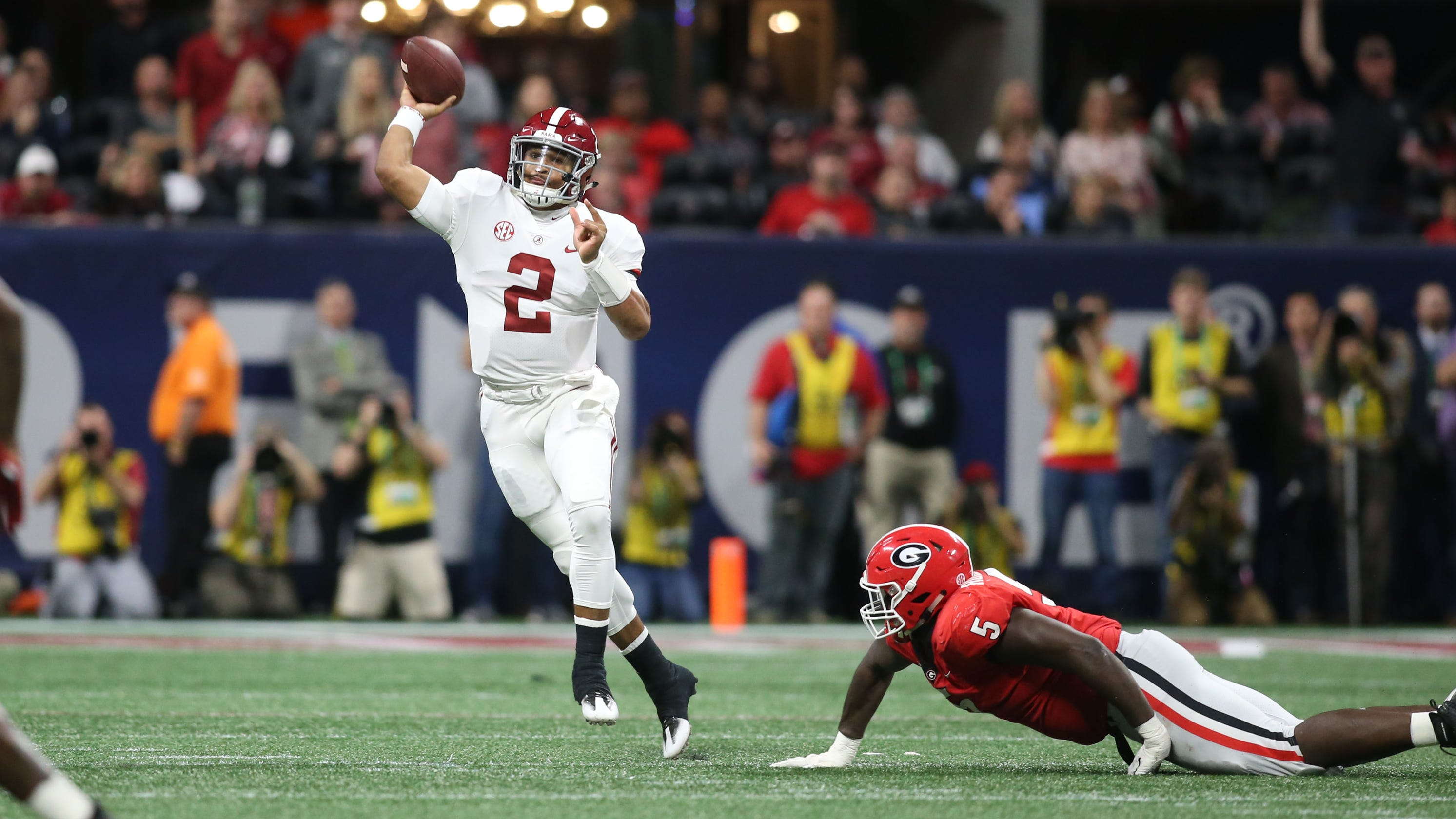 Jalen Hurts leads Alabama rally as Tide beat Georgia for ...