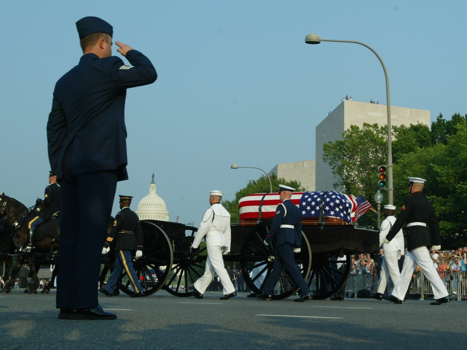 The remains of Former President Ronald Reagan proceed up Constitution Ave. on the way to the U.S. Capitol in Washington, June 9, 2004.