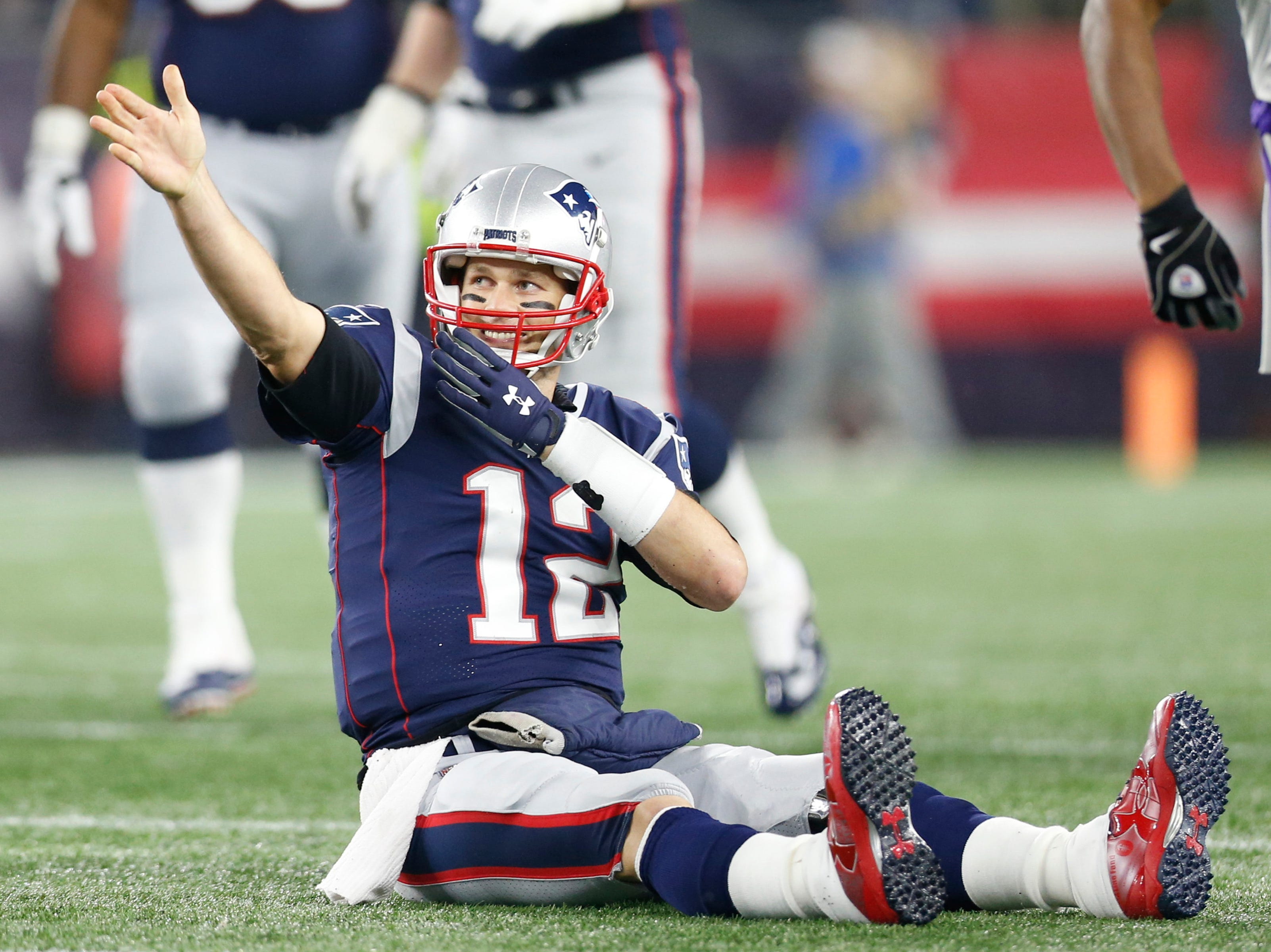 Tom Brady reacts after rushing for a first down against the Vikings.