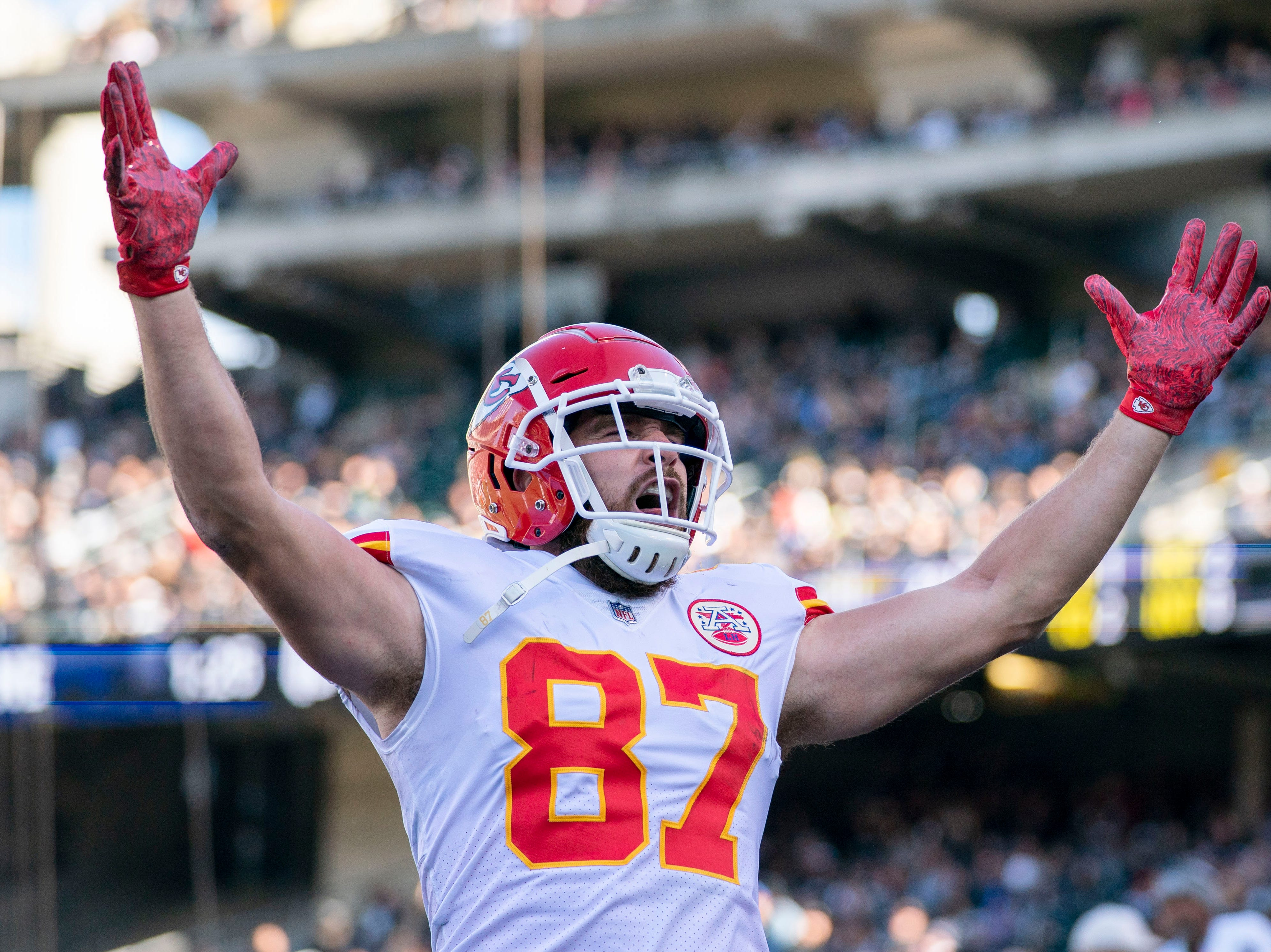 Chiefs tight end Travis Kelce celebrates after scoring a touchdown against the Raiders.