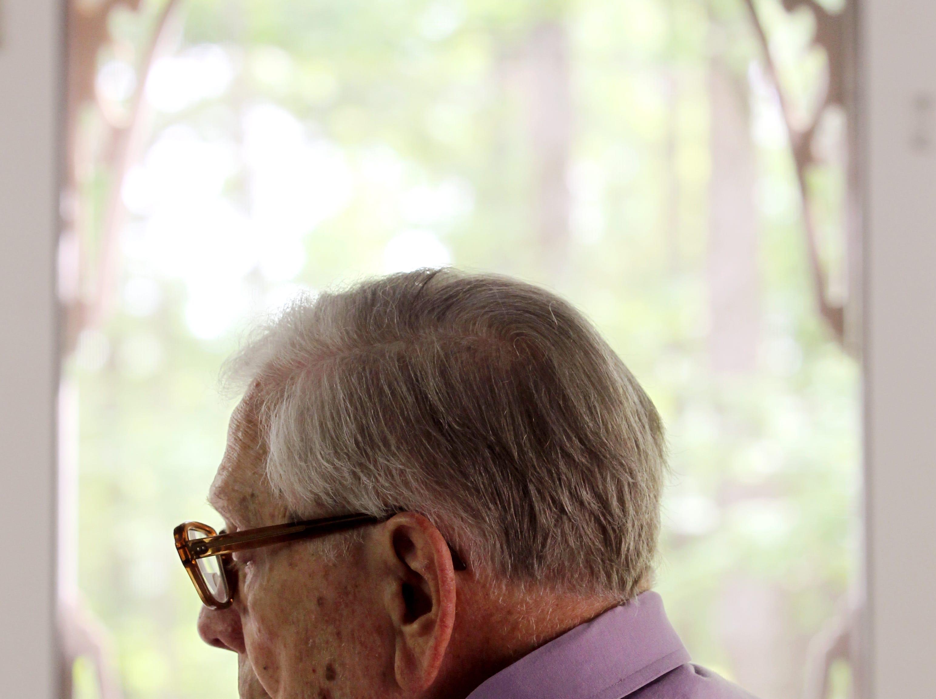 Ben Skardon, 94, reads the 18 minute speech he has written about surviving the Bataan Death March in the Phillipines during World War II.