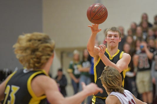 8e63b6f9ee1 Wisconsin high school basketball: G10 boys and girls power rankings