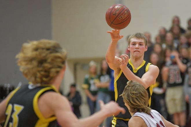 Marcus Domask leads a talented Waupun squad that is ranked No. 1 in the first G10 USA TODAY NETWORK-Wisconsin boys basketball power rankings.