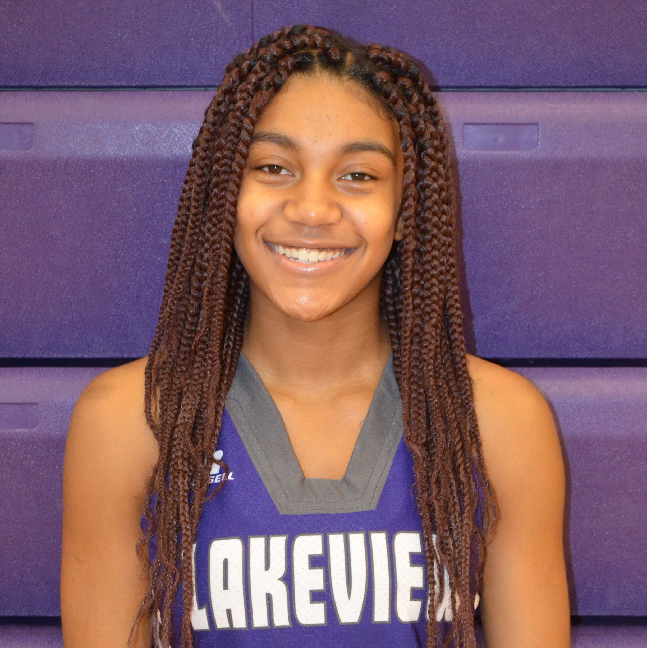 Basketball Notebook: With return of Coach Bussler, inspired Lakeview girls team wins 59-2