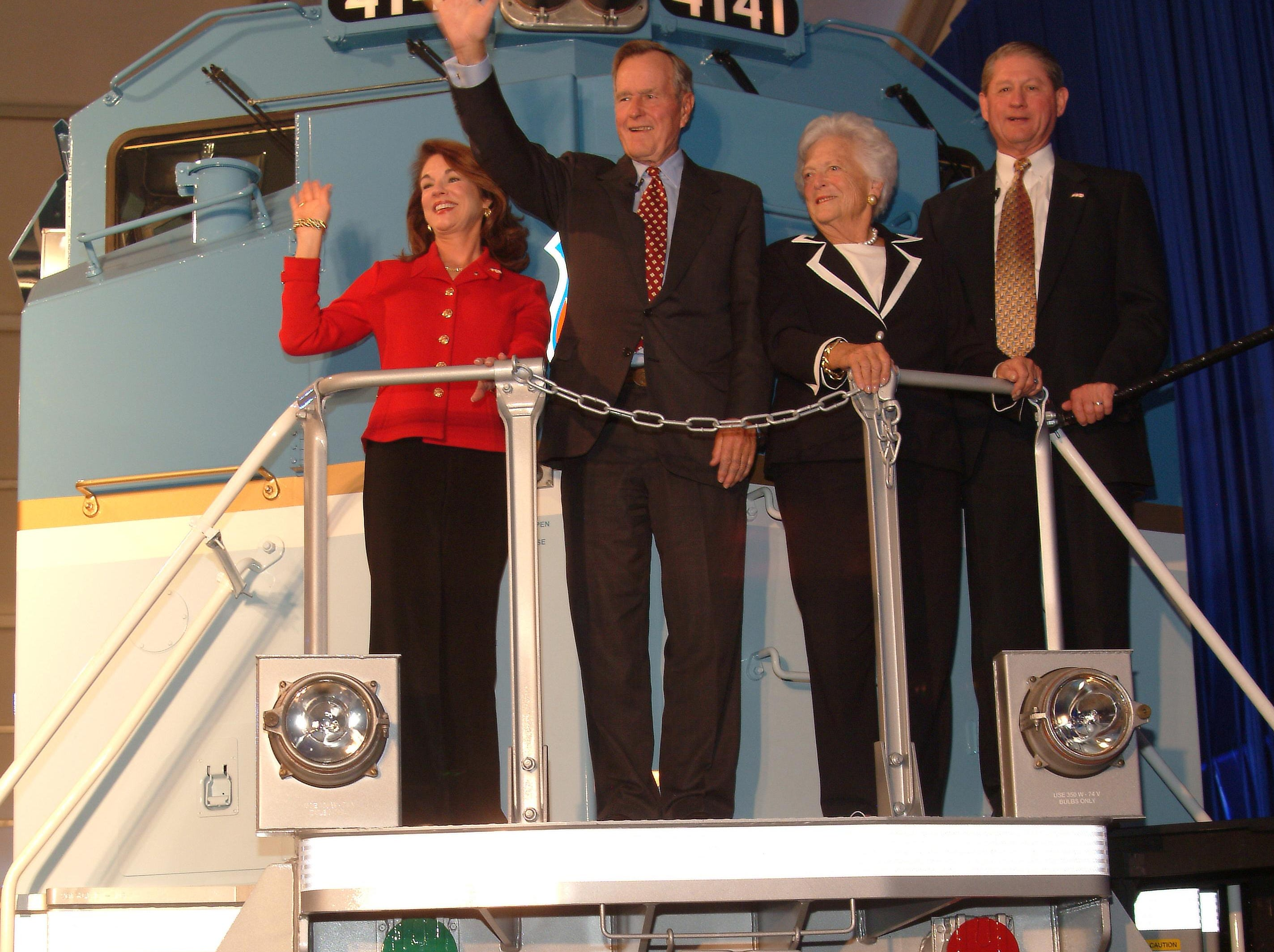 George and Barbara Bush on locomotive No. 4141 with retired Union Pacific chairman Dick Davidson and his wife Trish.