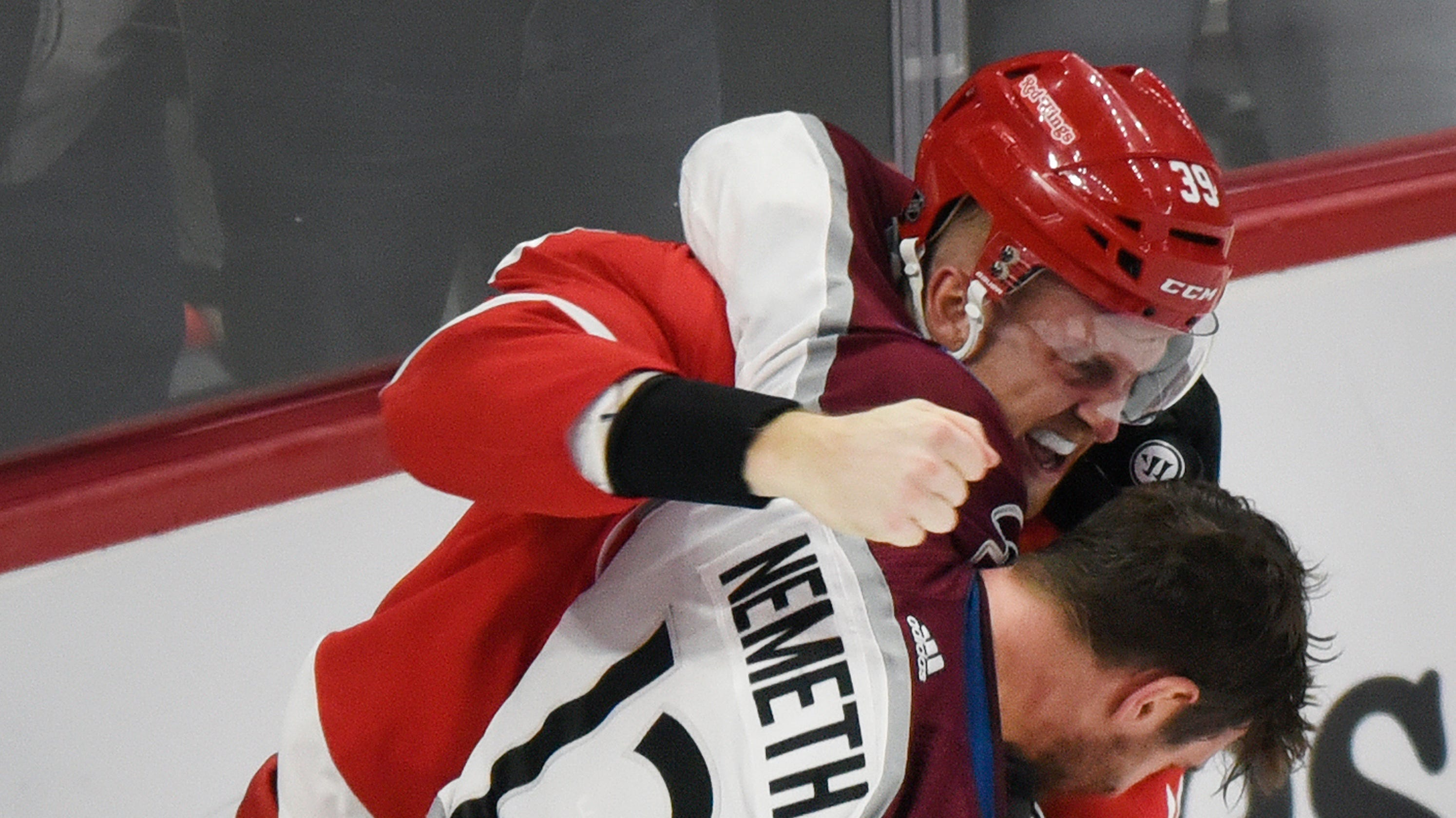 Detroit Red Wings lose to Avalanche, but win both fights