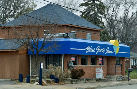 112918 Tm Dining Blue Goose029