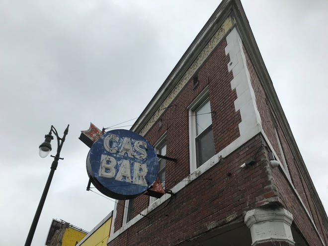 Police and prosecutors say a theft ring sold stolen merchandise out of Cas Bar, in Detroit and on the border with Dearborn.