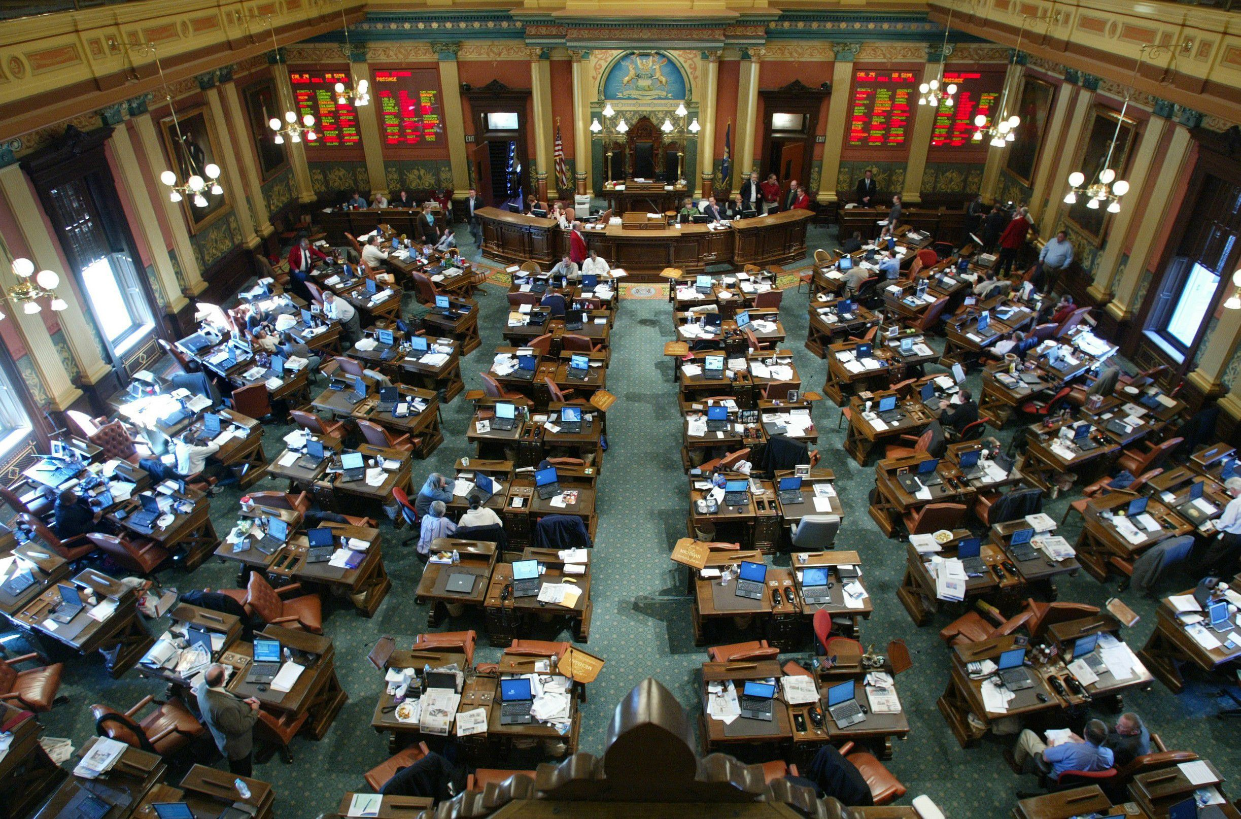 Michigan lawmakers set rare Friday session for possible auto insurance reform vote