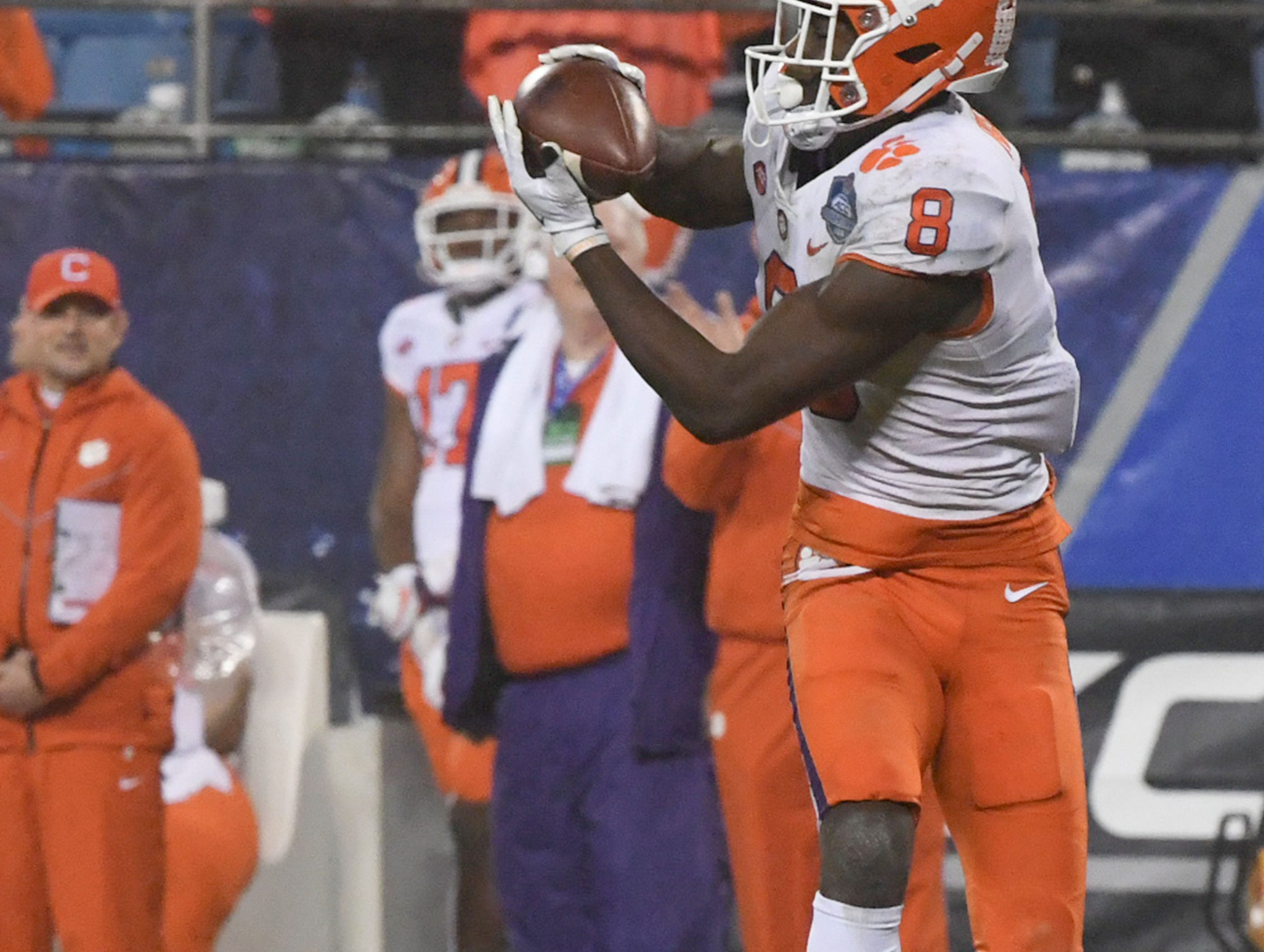 Clemson wide receiver Justyn Ross (8) catches a long pass against Pittsburgh during the third quarter of the Dr. Pepper ACC football championship at Bank of America Stadium in Charlotte, N.C. on Saturday, December 1, 2018.