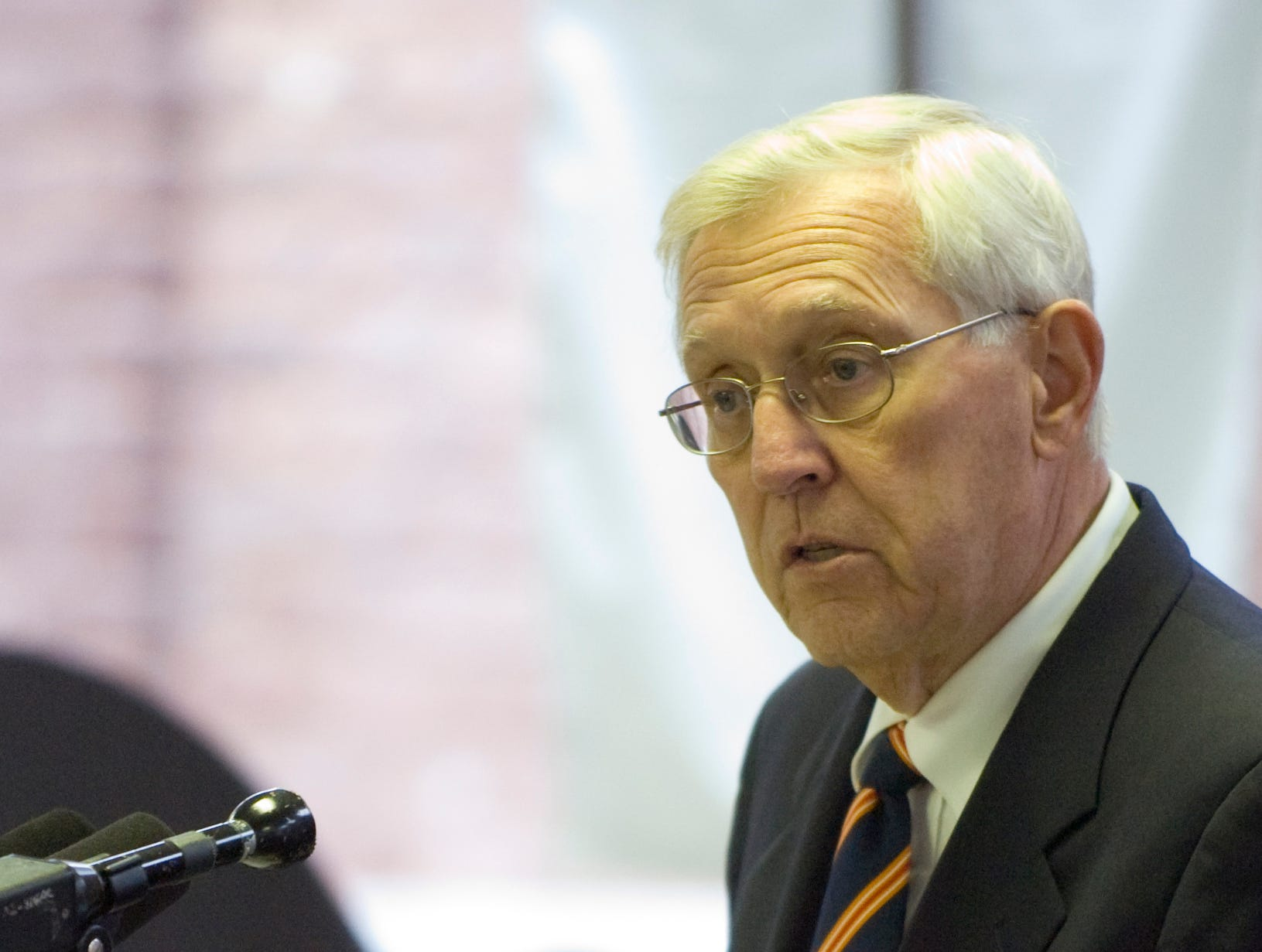 Former Tennessee Gov. Don Sundquist delivers a statement on behalf of former Senator Howard Baker who was not present during the Lincoln Memorial University - John J. Duncan Jr. School of Law dedication ceremony Friday, March 27, 2009.