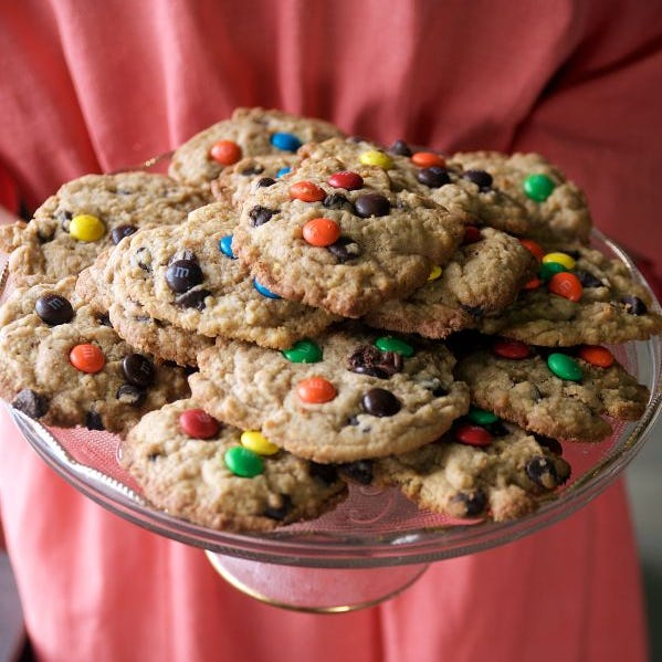 Lovina's Amish Kitchen: Cookie recipes for holiday baking