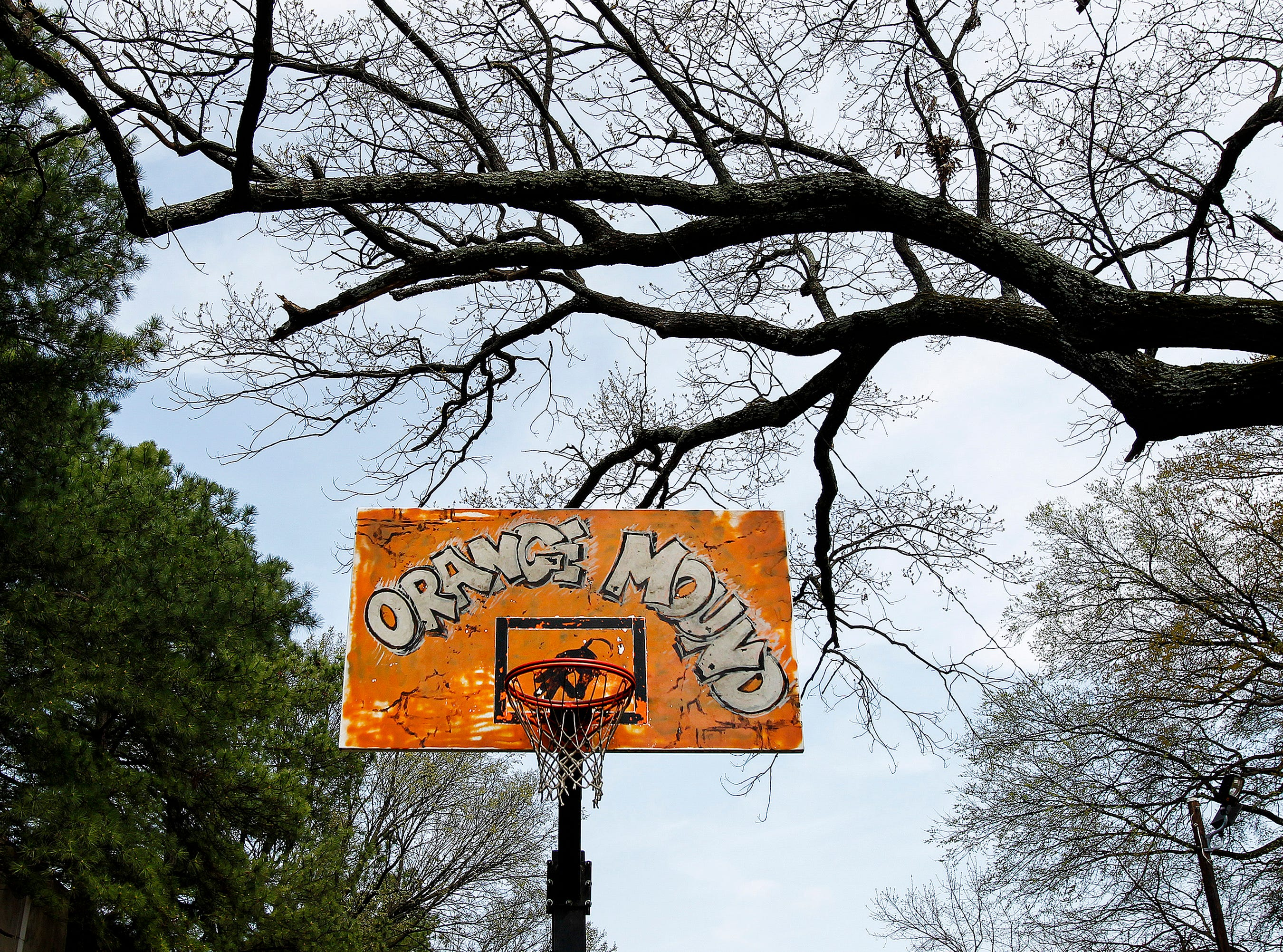 April 1, 2015 - Basketball hoop at Carnes and Grant in Orange Mound. There as been a 48 precent drop in population in Mayor A C Wharton's Midtown census tract, 1970-2010. (Mark Weber/The Commercial Appeal)