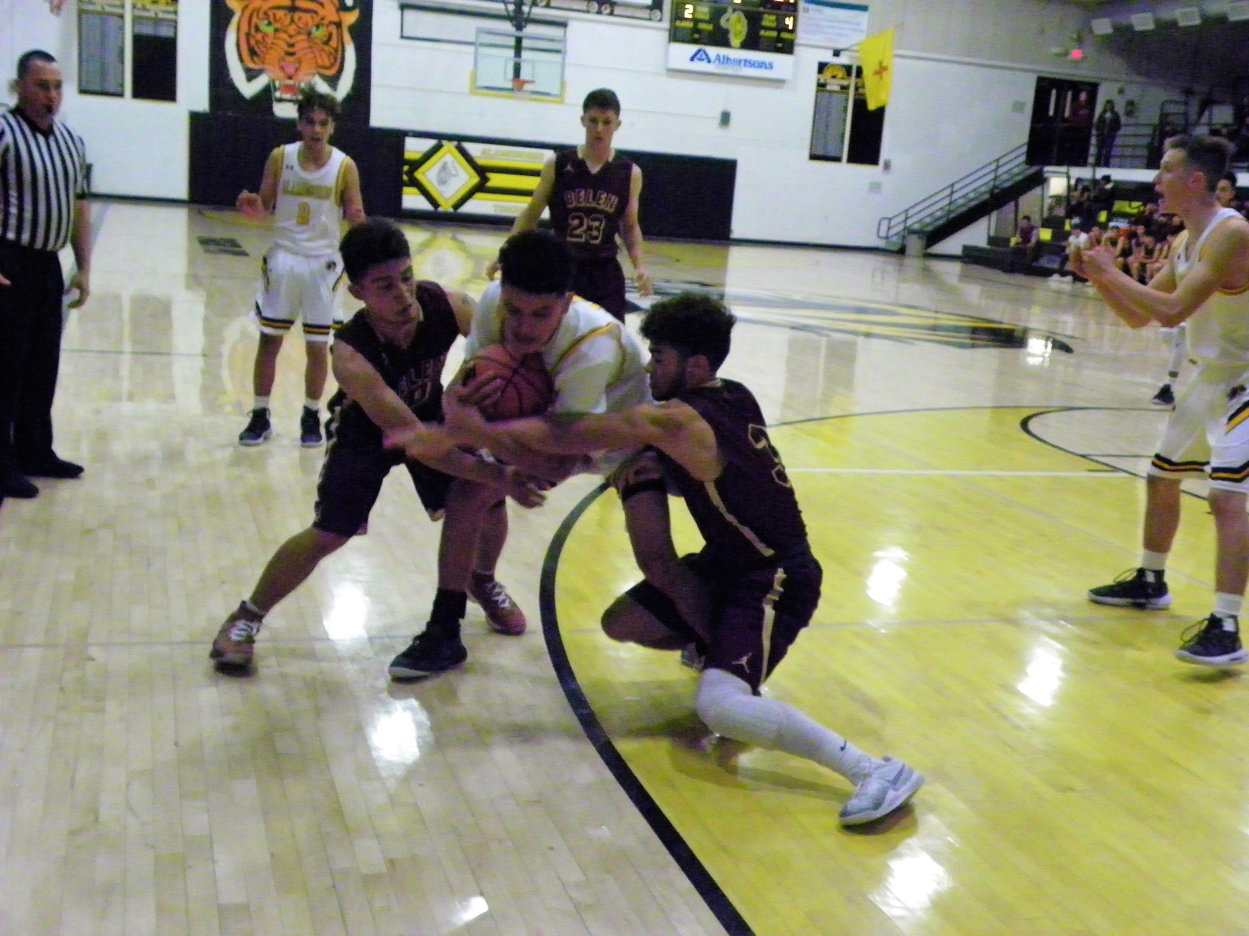 Alamogordo Tigers boys basketball play with intensity