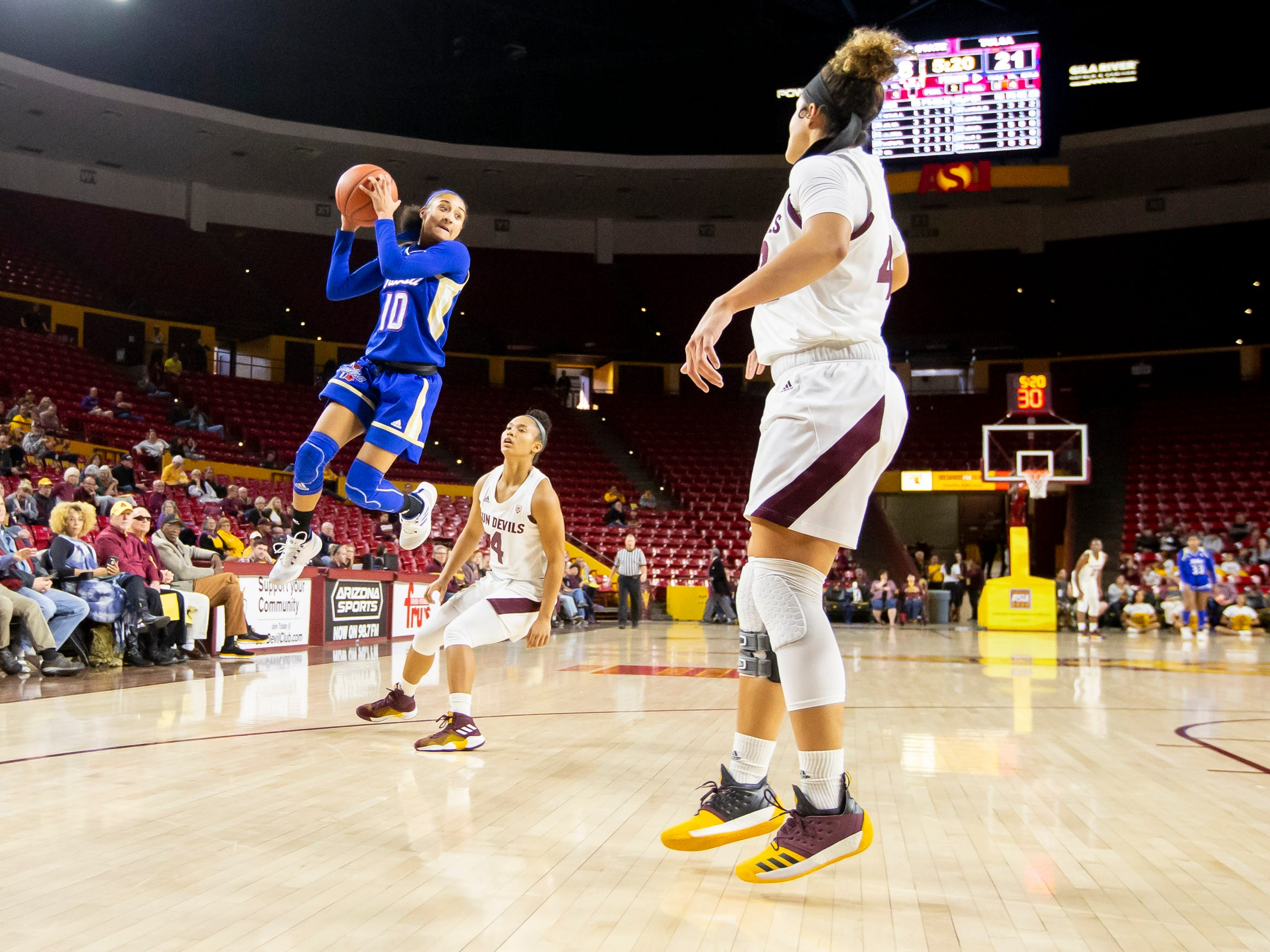 Guard Alexis Gaulden (10) of Tulsa Golden Hurricane catches a pass against the Arizona State Sun Devils at Wells Fargo Arena on Sunday, December 2, 2018 in Tempe, Arizona.