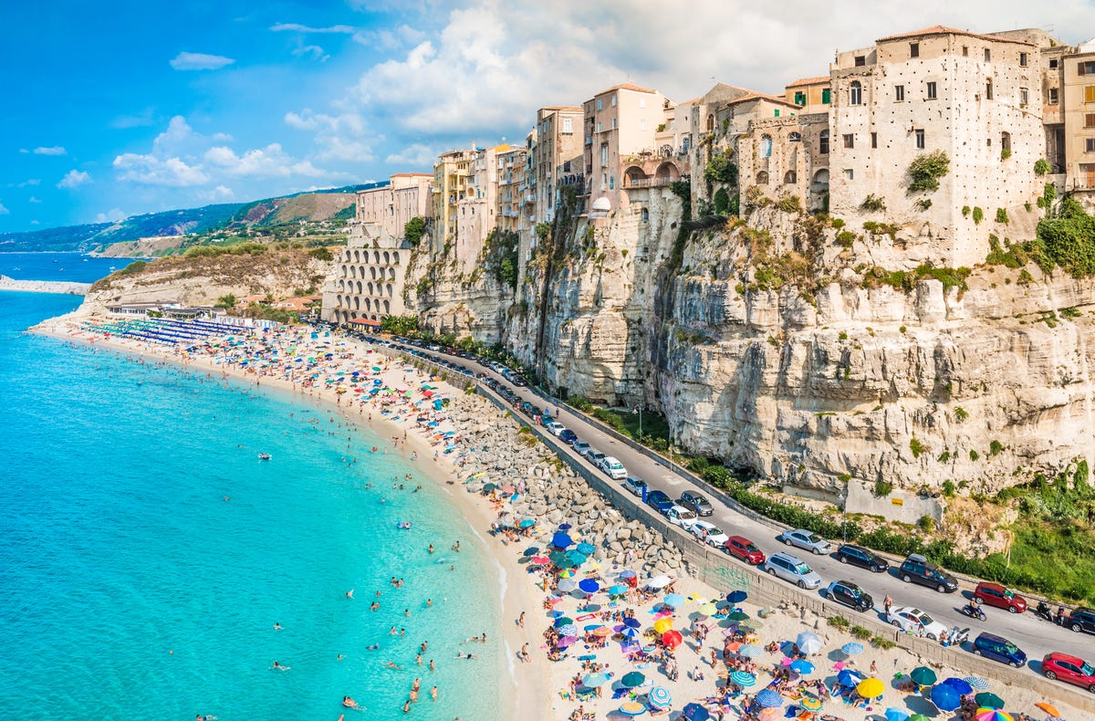 Hot destinations for 2019: Most popular locations on Airbnb