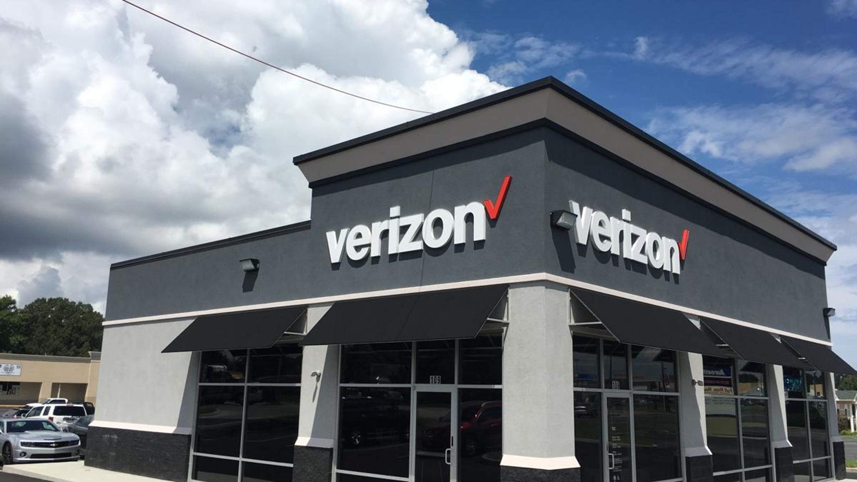 Verizon adds free Apple Music to some of its unlimited plans