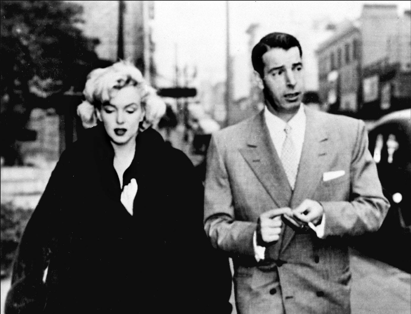 (FILE PHOTO) 14th January 2014 marks 60 years since iconic American actress Marilyn Monroe married American Baseball player Joe DiMaggio in San Francisco on January 14, 1954. DiMaggio and Monroe were divorced in October 1954, just 274 days after they were married, with the actress citing mental cruelty in the divorce petition.   SAN FRANCISCO, CA - JANUARY 1:  Picture dated 1954 showing actress Marilyn Monroe with her second husband American baseball player Joe DiMaggio.  (Photo credit should read STF/AFP/Getty Images) ORG XMIT: 156616713 ORIG FILE ID: 52016304