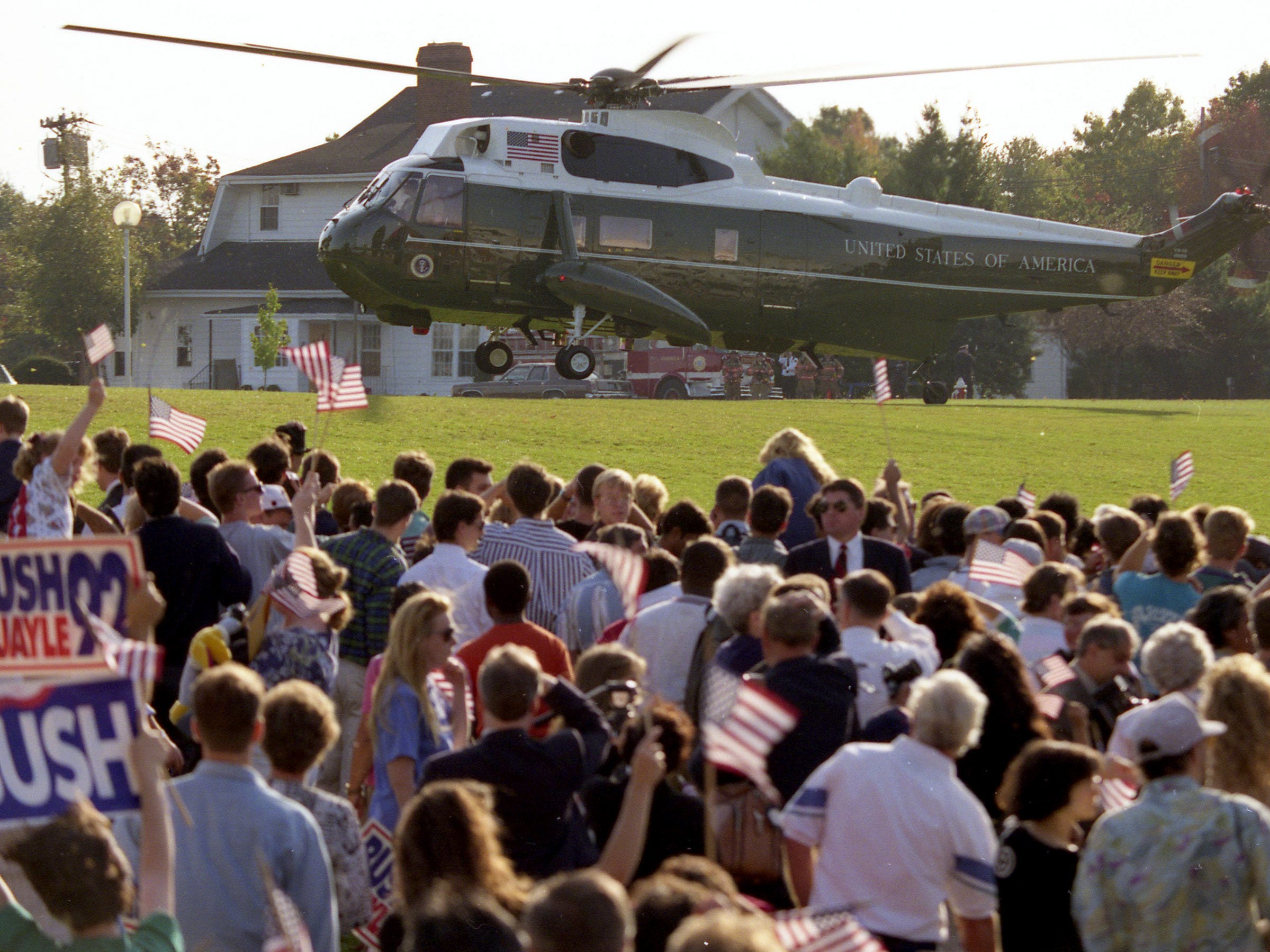Marine One with President George HW Bush onboard arrives for a campaign rally at Middlesex County College in Edison, NJ, on October 16, 1992.