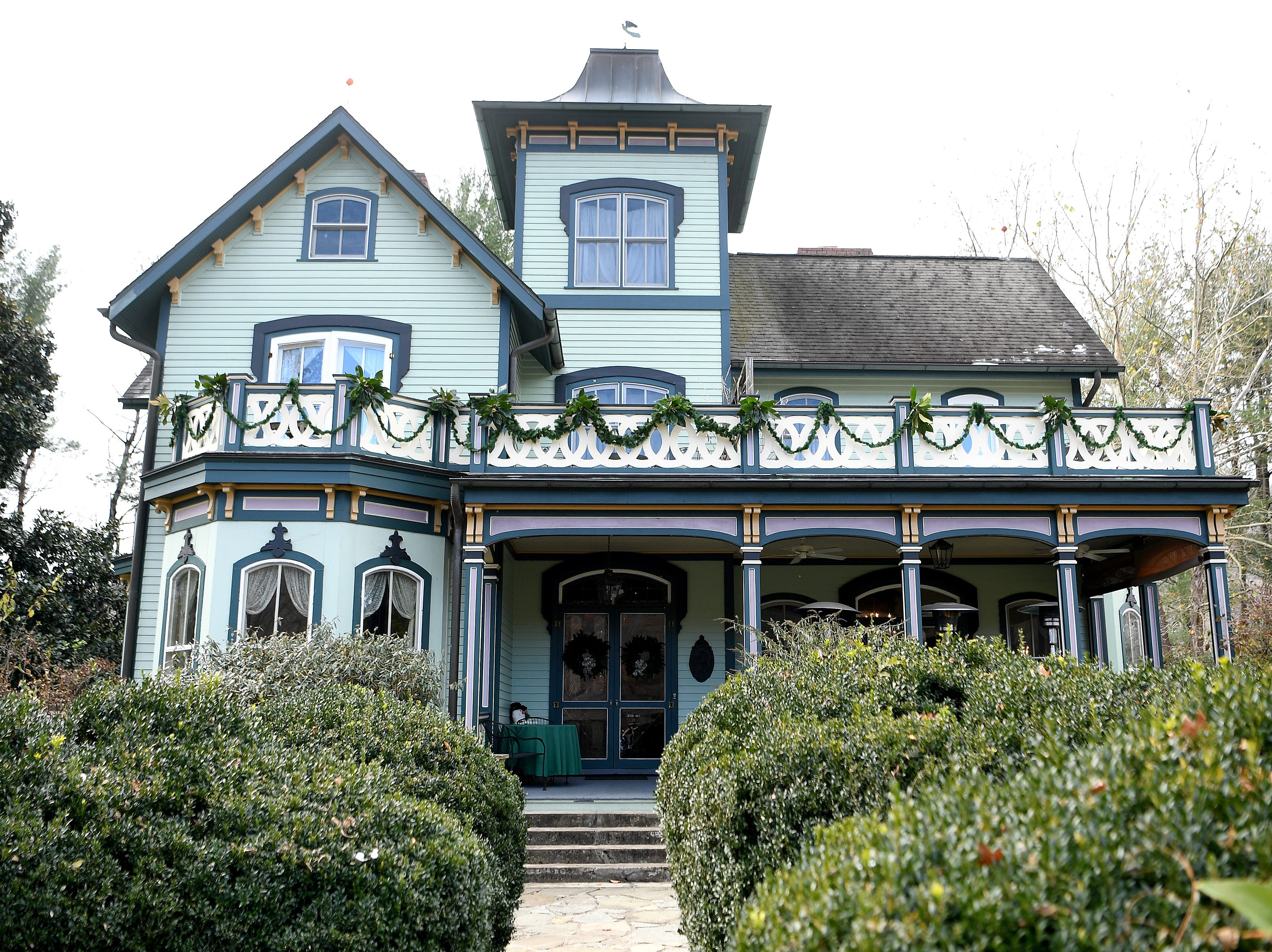 The Mountain Magnolia Inn was built in Hot Springs as a home for the Rumbough family in 1868. It was purchased by the Nagle family and restored to its former glory in 1996. The house is now an inn and restaurant filled with historic pieces from the Rumbough family.
