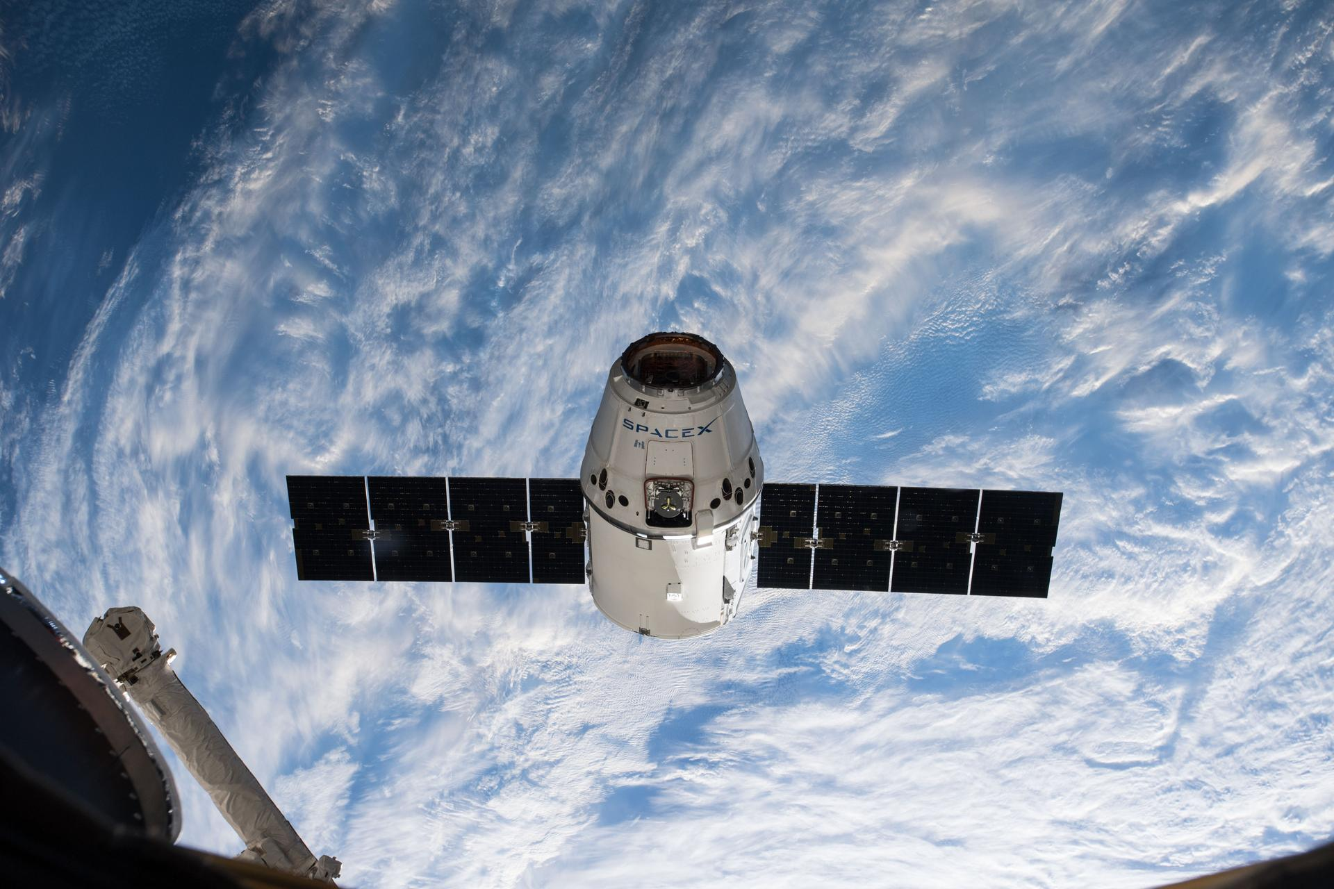 51231362-c6e3-4e7c-b9bb-1142cadc6ae7-iss055e009952_large Air Force: Weather excellent for SpaceX Falcon 9 launch from Cape Canaveral