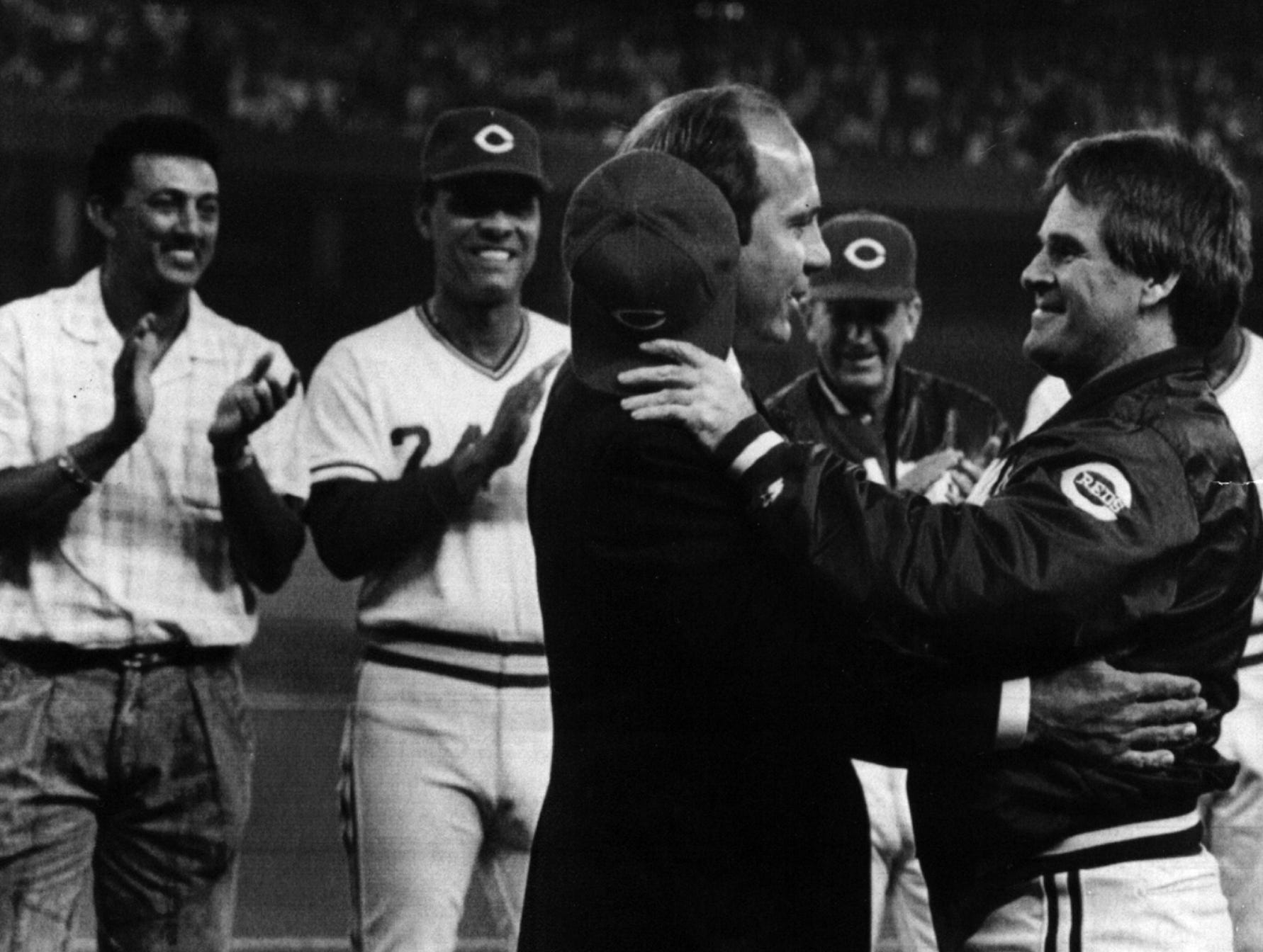 AUGUST 19, 1989: Hall of Famer Johnny Bench greets former teammate Pete Rose as three of the former teammates from the Reds' 1970s teams. Dave Concepcion, Tony Perez, and tony Helms, look on during appreciation ceremonies for Bench Friday, 8/18/89, at Riverfront Stadium. See story, page D-4. The Enquirer/Gary Landers scanned August 7, 2013