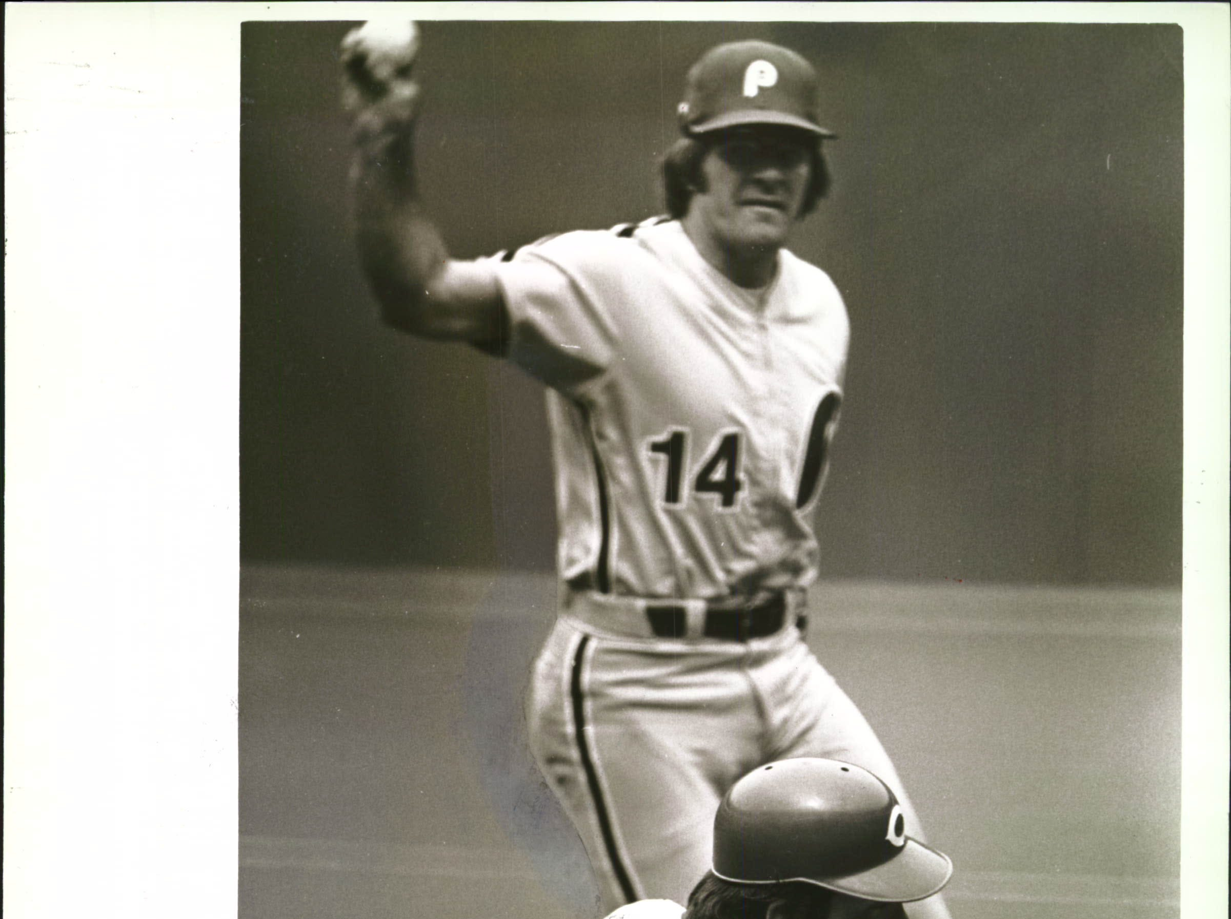 JUNE 3, 1979: Pete Rose tags out Johnny Bench of the Reds in the eighth inning. Dan Driessen had lined to Rose, who doubled Bench off first base. The Enquirer/Michael E. Keating