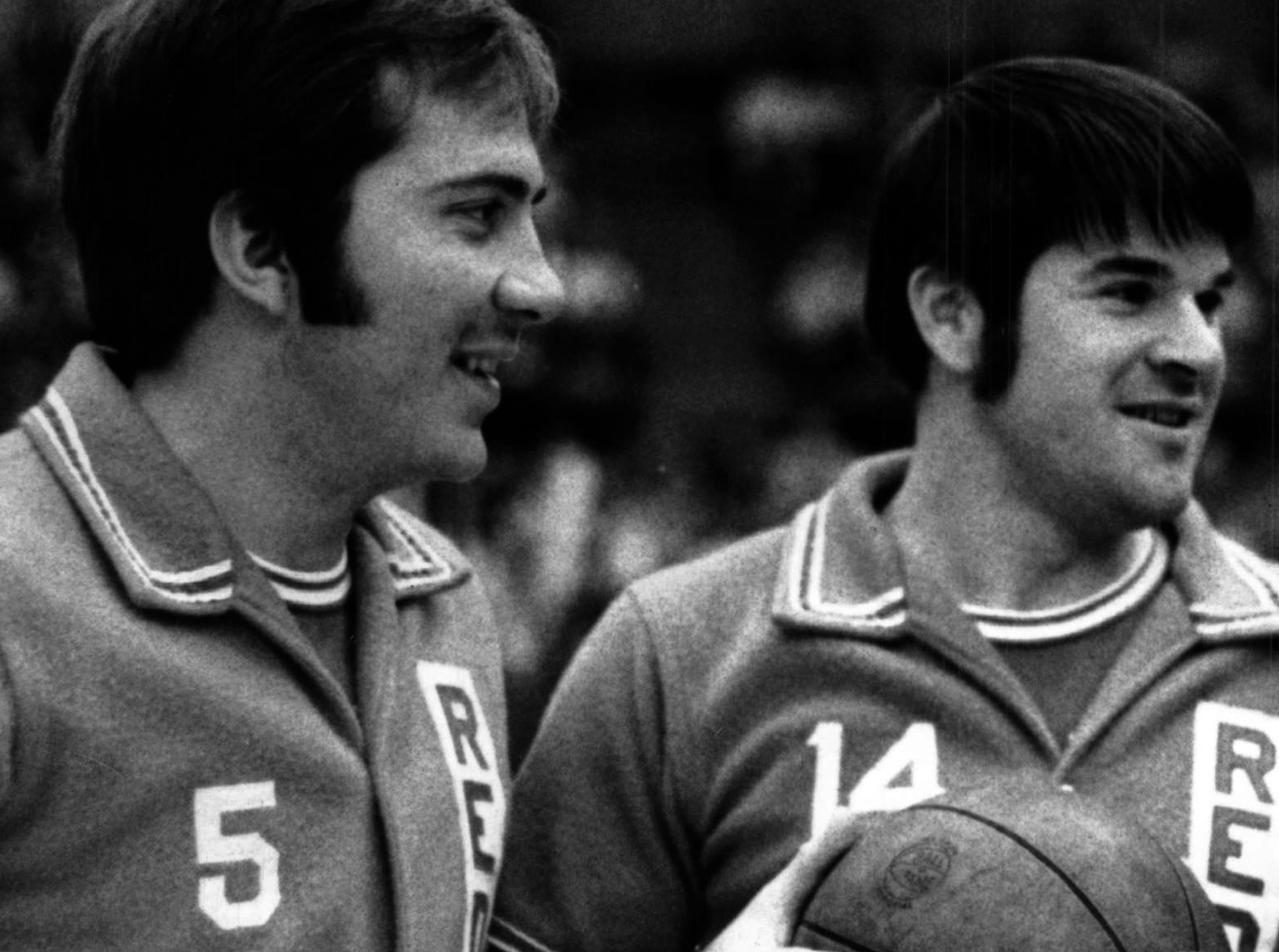 JANUARY 23, 1971: Basketball: Pete Rose and Johnny Bench with former UC coach Ed Jucker before a 1971 game involving Reds' off-season team. The Enquirer/Fred Straub