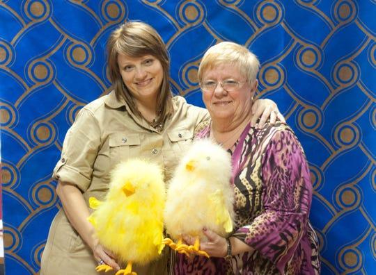 Elyissia Chinchilla, left, and her mom, Barbara Ferrante.