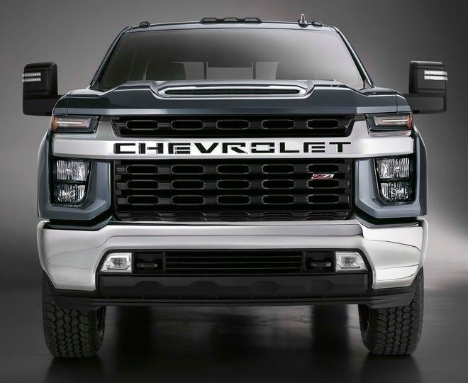 Gm S Heavy Chevy Silverado Hd Makes Its Debut