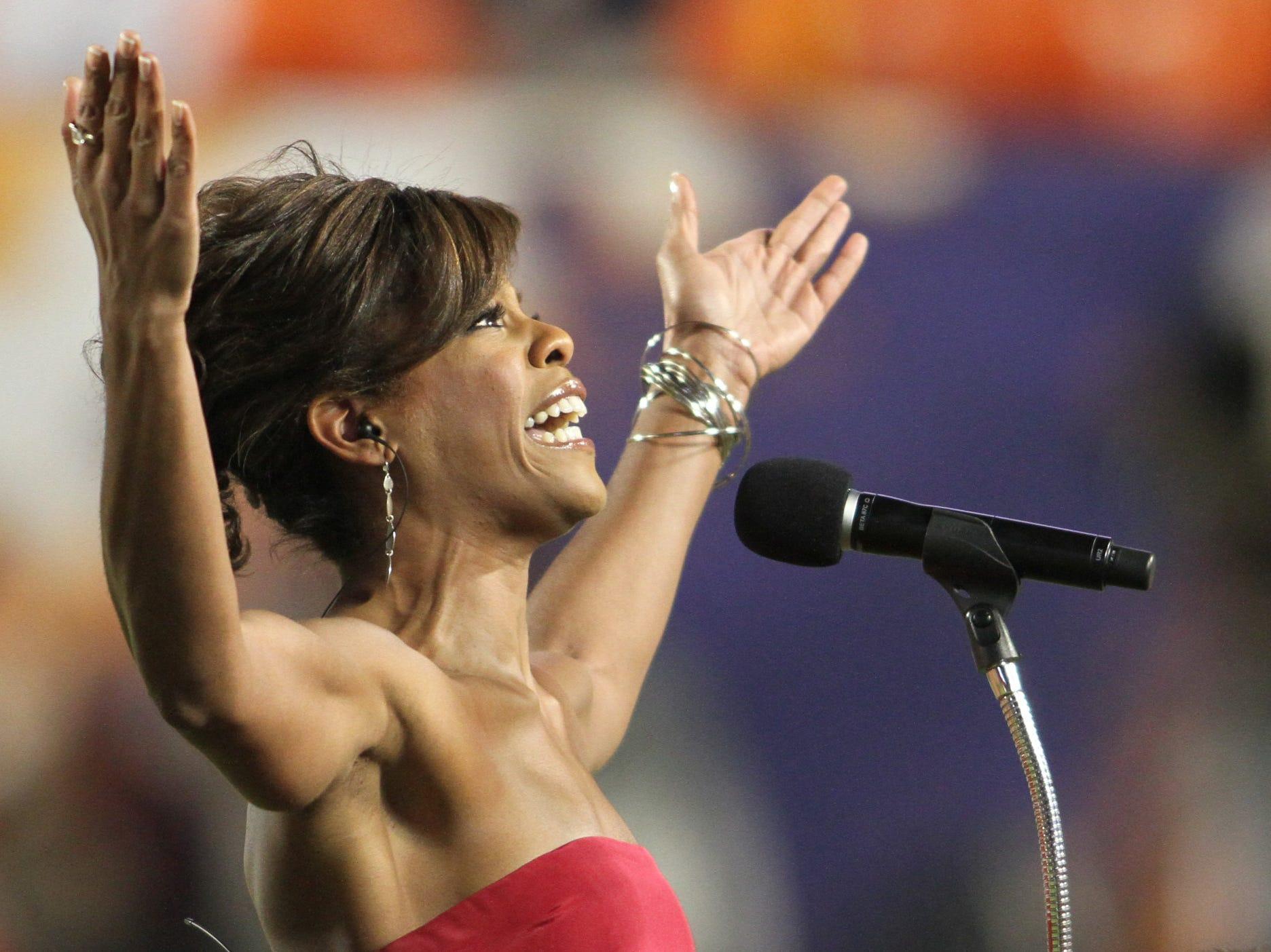 m010510orangefirsthalfRW - Orange Bowl -  -  Big Ten's Iowa vs. ACC's Georgia Tech Jan. 5, 2010.  Noted Jazz Singer Nicole Henry sings the National Anthem Tuesday at the 2010 Orange Bowl at Land Shark  Stadium in Miami Gardens.