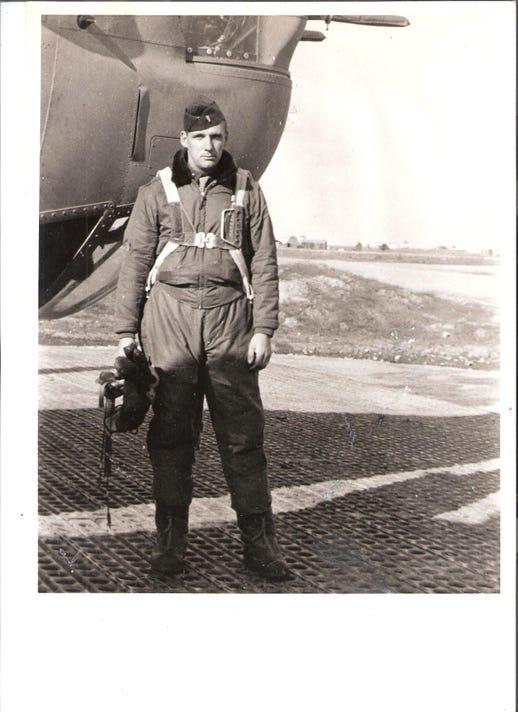 2296106 001 Eugene Ford 1944