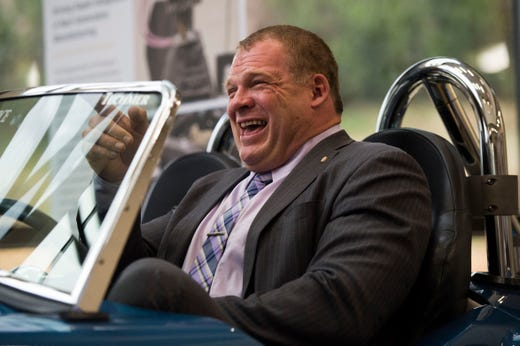 Wwe Presenting Check At Knoxville Event For Glenn Jacobs