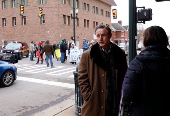 "Actor David Arquette talks to Rebecca Harrell Tickell during a break in shooting of the movie ""Heartland"" at the corner of South Columbus and West Chestnut streets in downtown Lancaster."