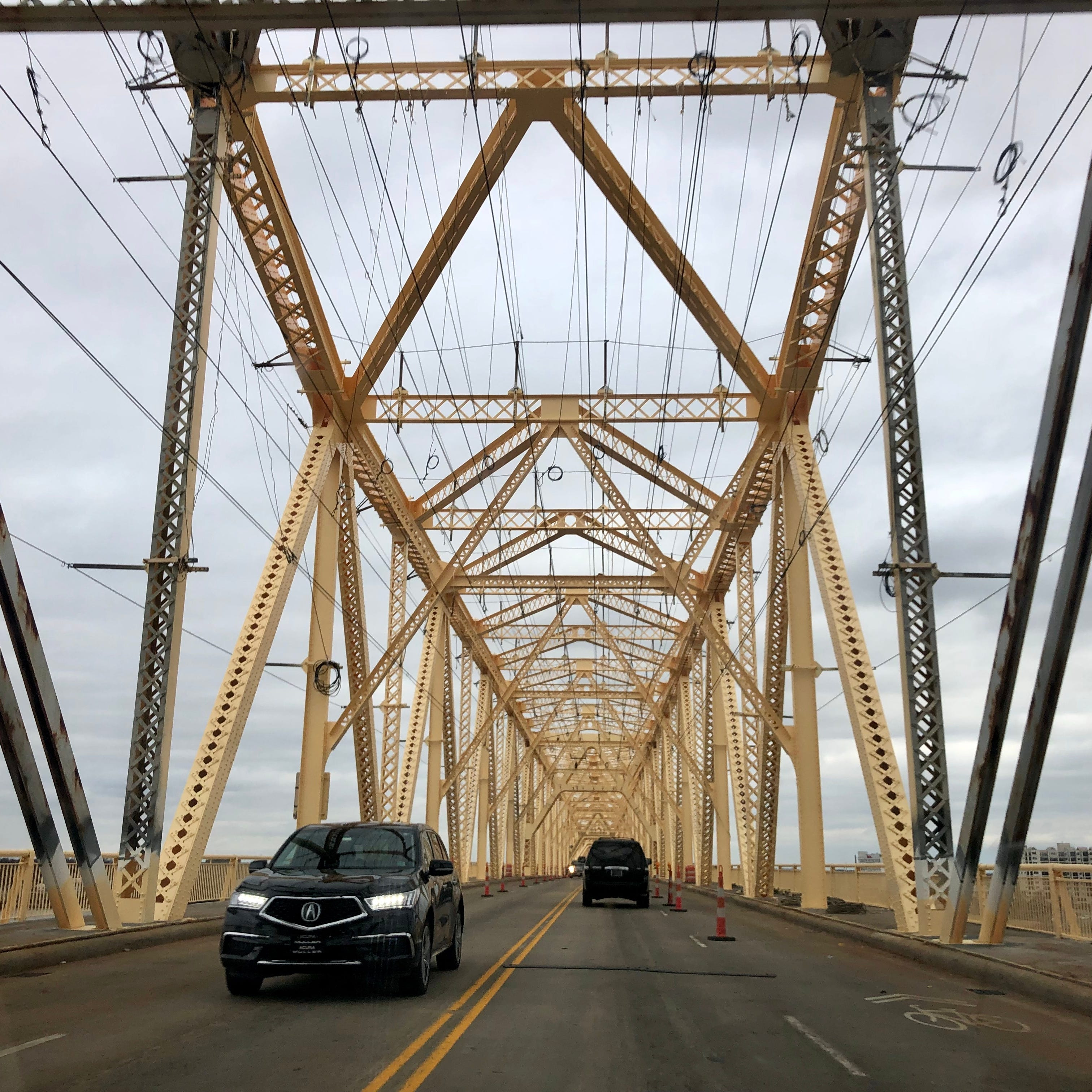 Clark Memorial Bridge closing for Thunder Over Louisville: See the downtown traffic plan