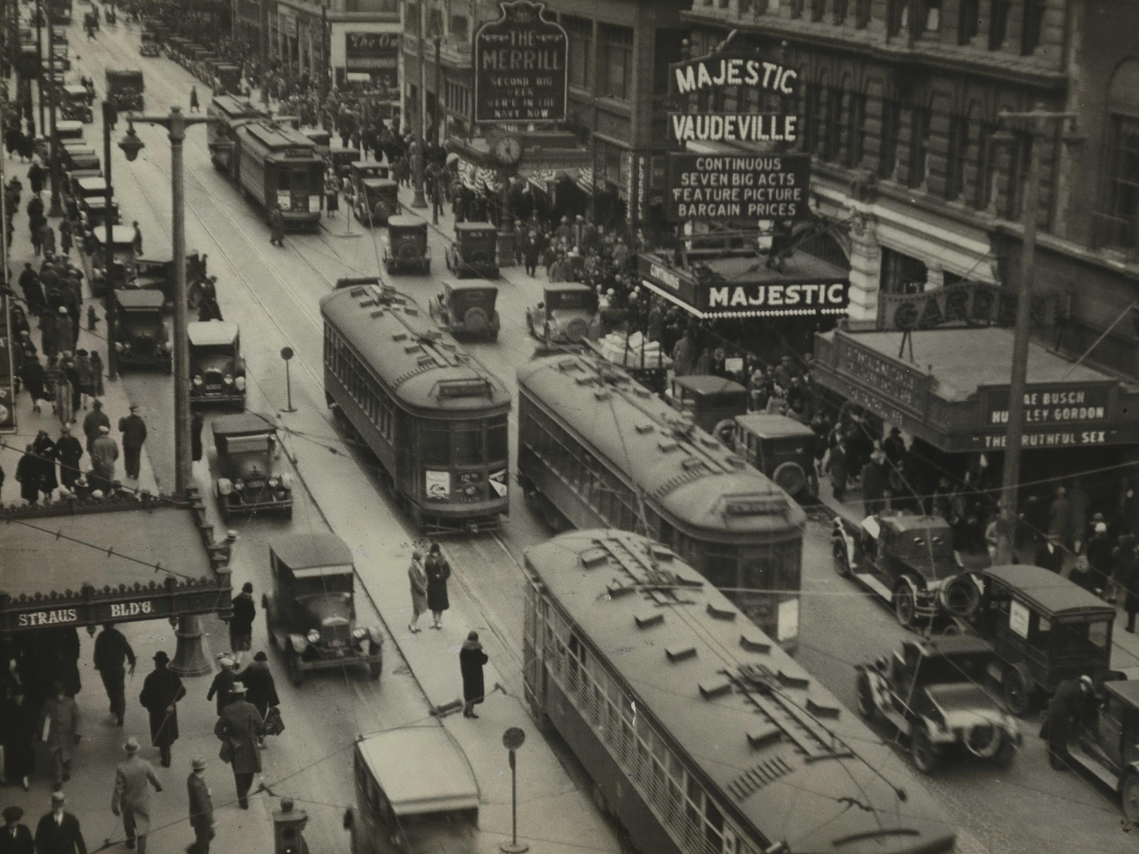 Milwaukee's former Grand Avenue now Wisconsin Avenue. Milwaukee Streets, Wisconsin Avenue, Historic
