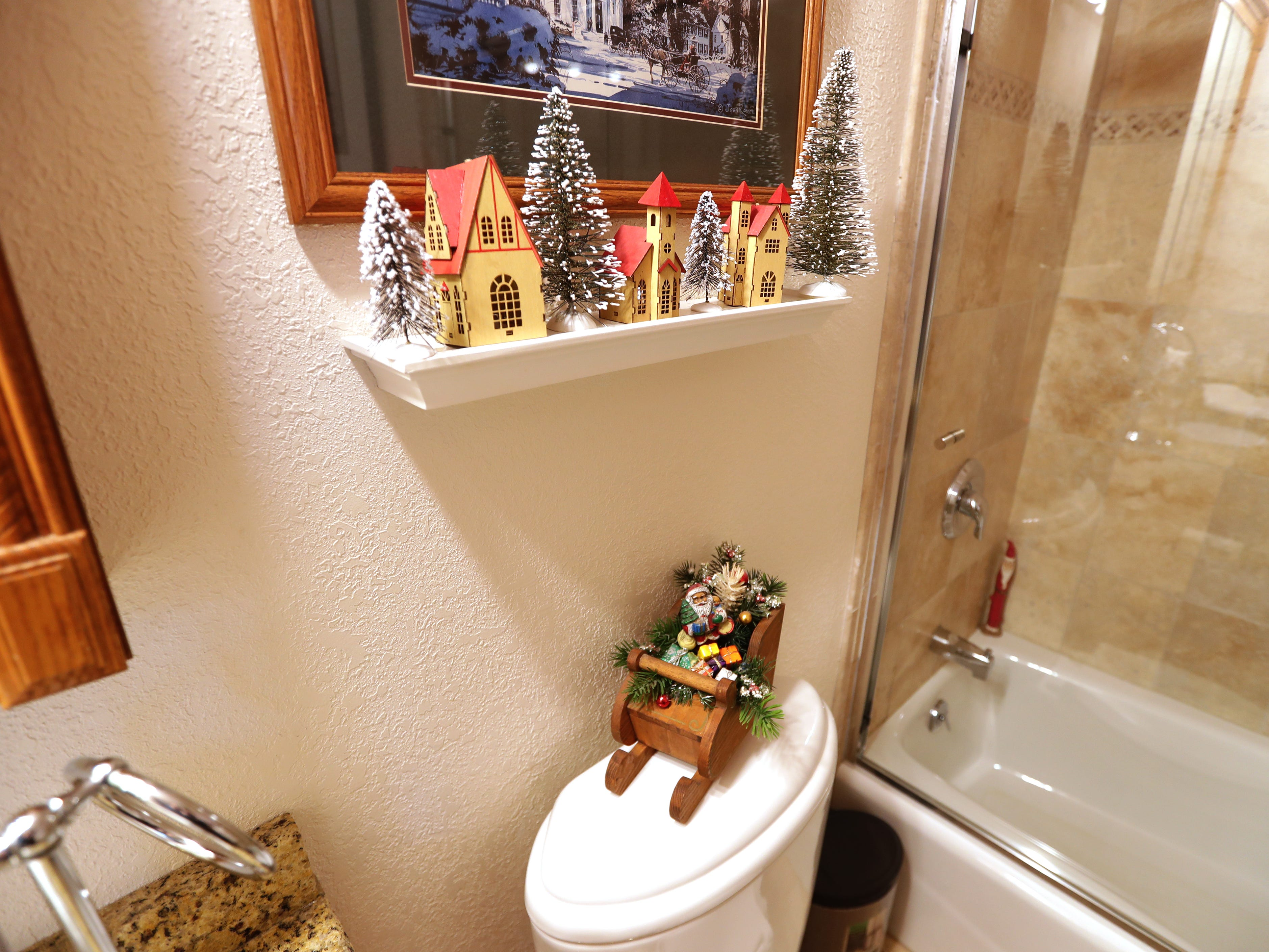 Even the guest bathroom is decked out for the holidays.