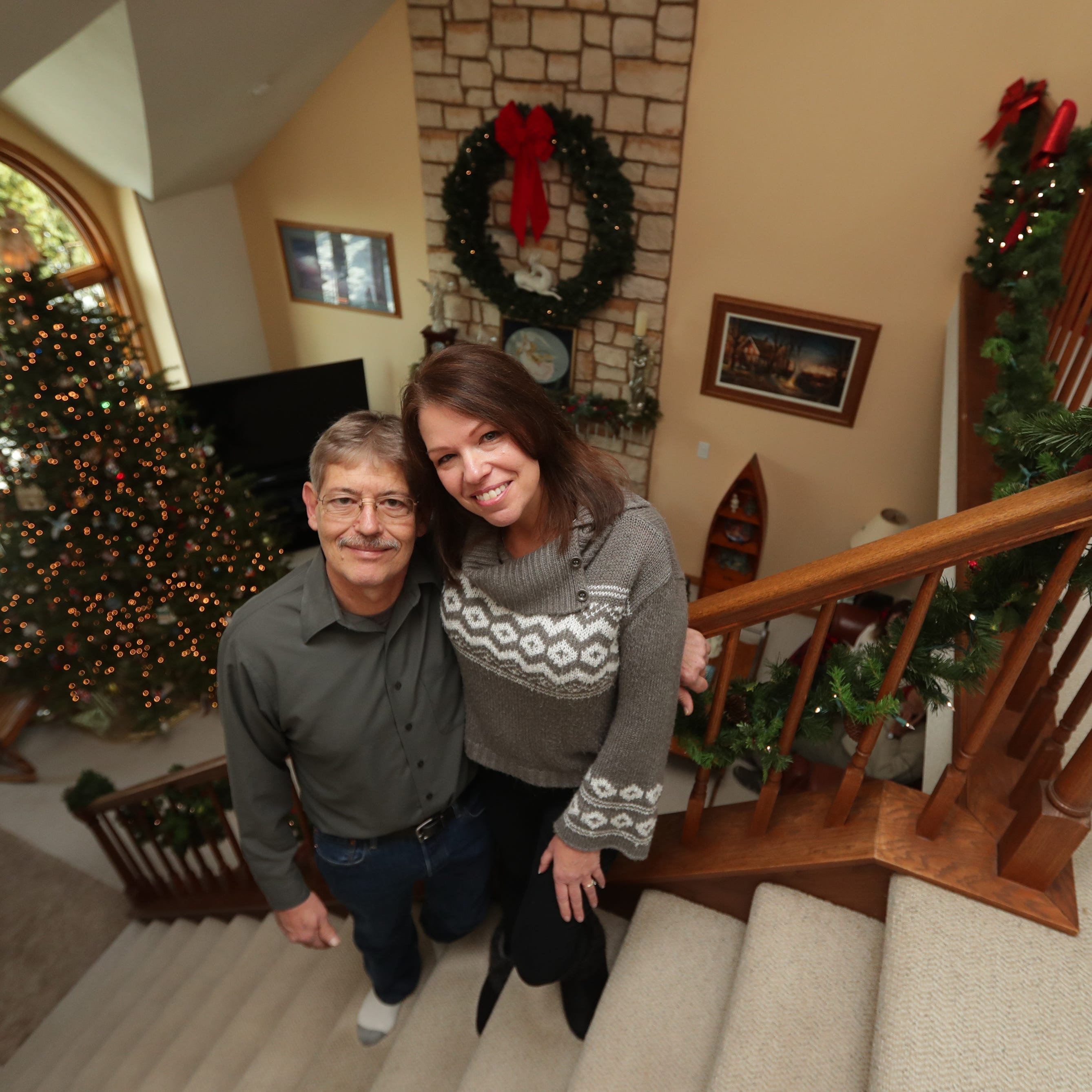 Warm Christmas memories led Muskego woman to decorate home with 15 trees, plus