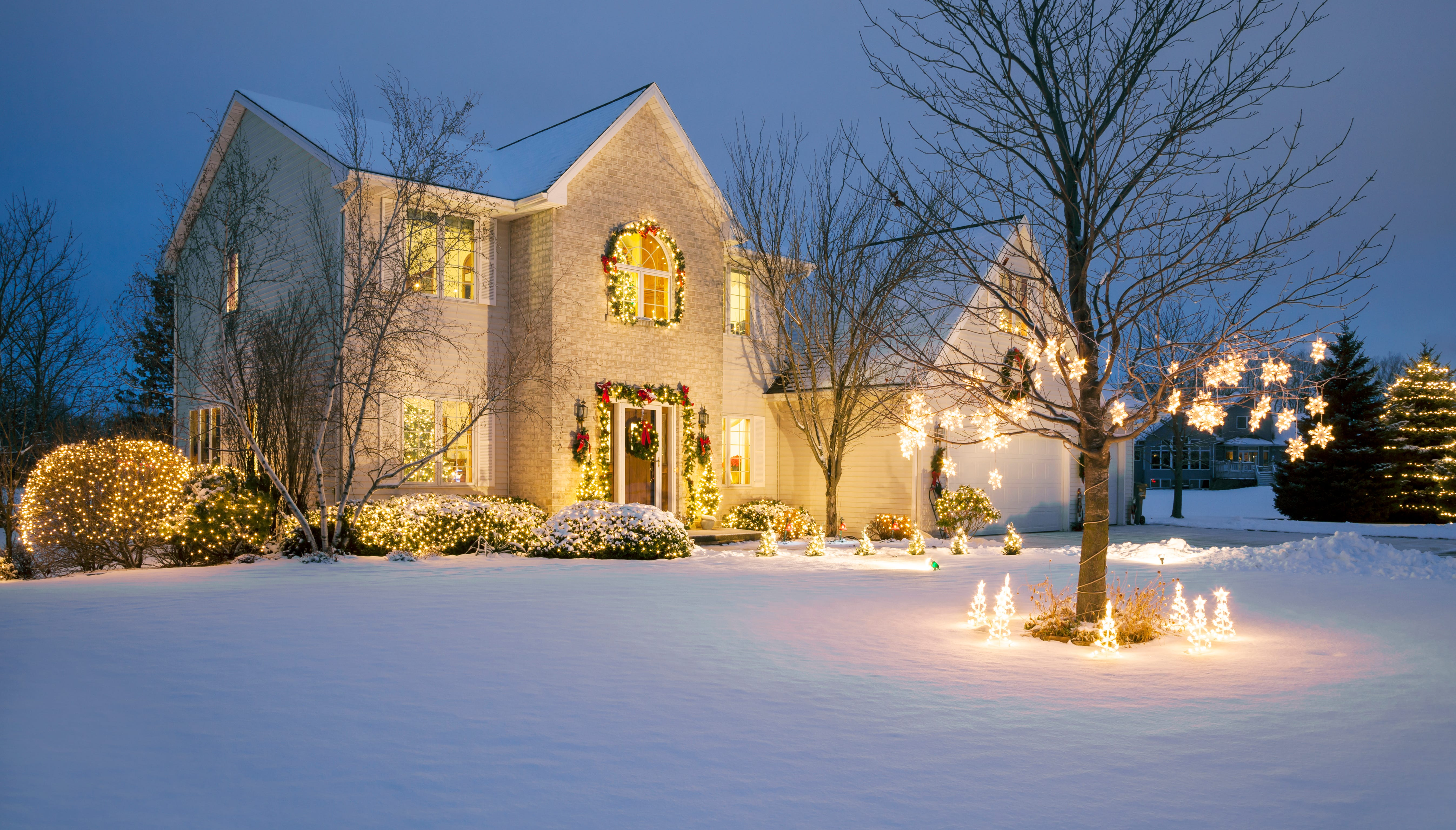 If you're planning to travel during the holidays, you should take the time to get your house ready for your trip, too.
