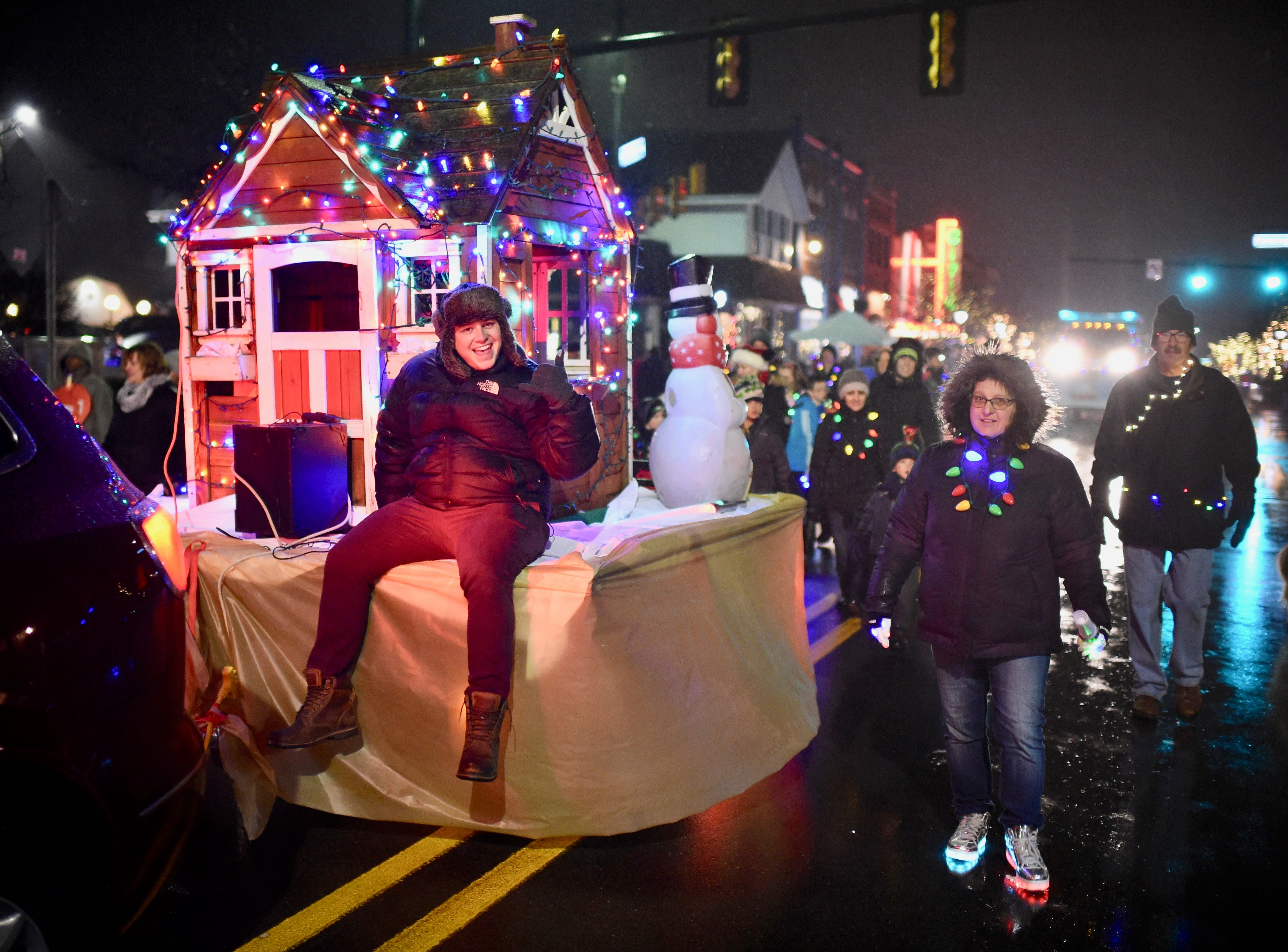 Rain didn't dampen the spirits of those who took part in the Holly Days Parade.